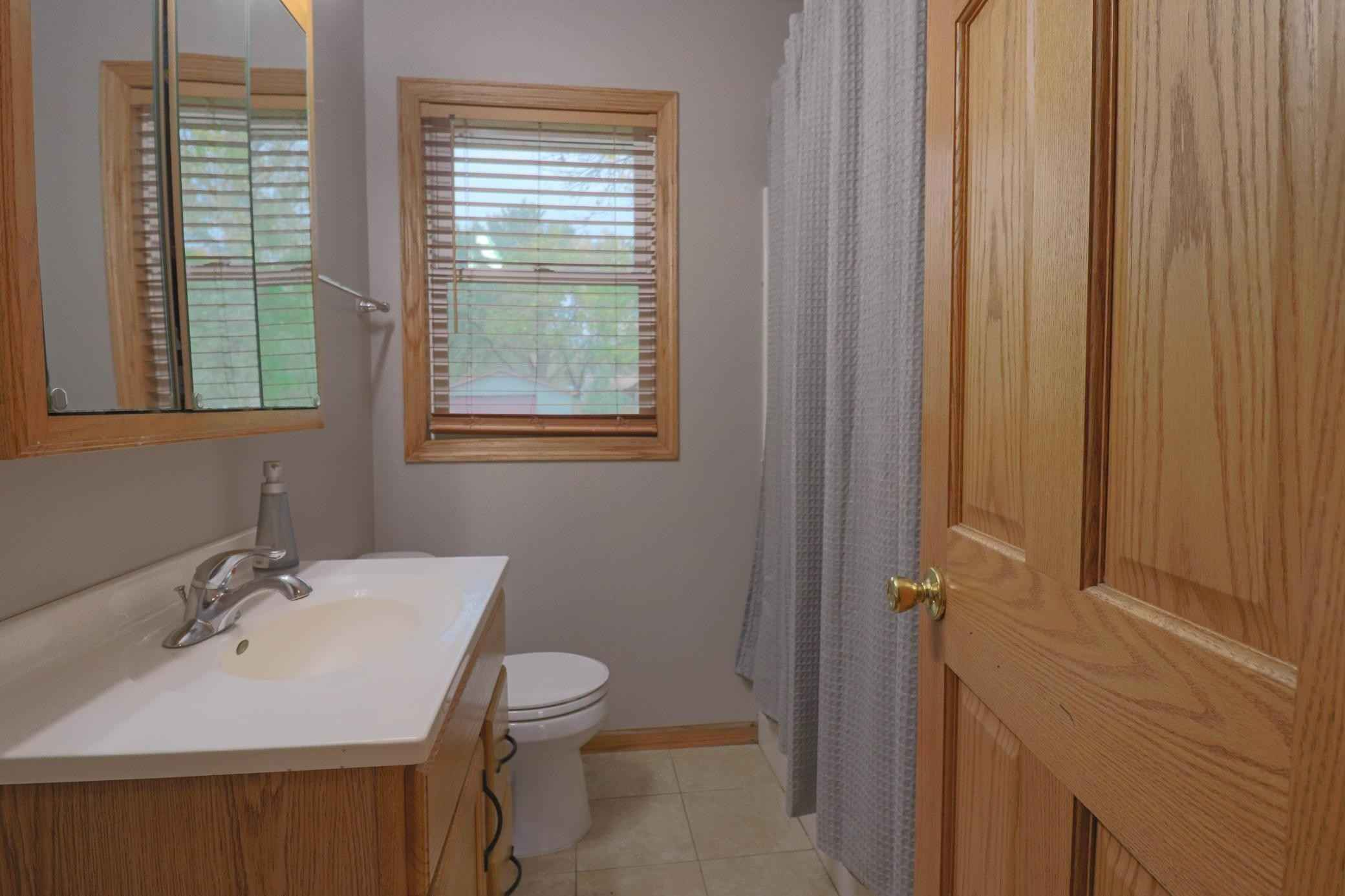 View 14 photos of this 3 bed, 2 bath, and 1,593 sqft. single_family home located at 5928 Upper 183rd St W, Farmington, Minnesota 55024 is Active for $308,000.