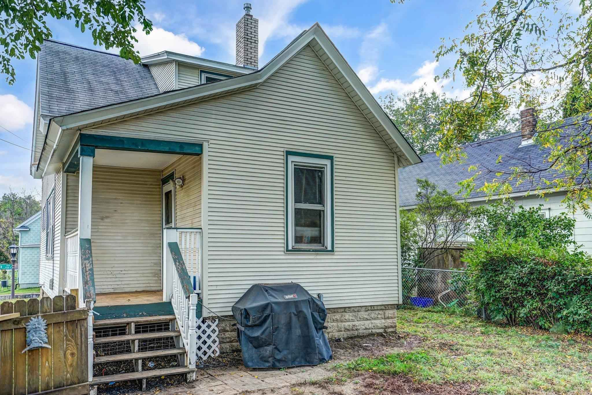 View 26 photos of this 4 bed, 1 bath, and 1,256 sqft. single_family home located at 1115 Cook Ave E, Saint Paul, Minnesota 55106 is Active for $244,900.