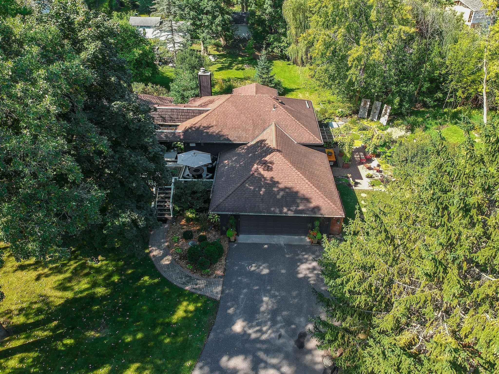 View 52 photos of this 5 bed, 3 bath, and 2,764 sqft. single_family home located at 5189 Stillwater Ct, White Bear Lake, Minnesota 55110 is Pending for $449,900.