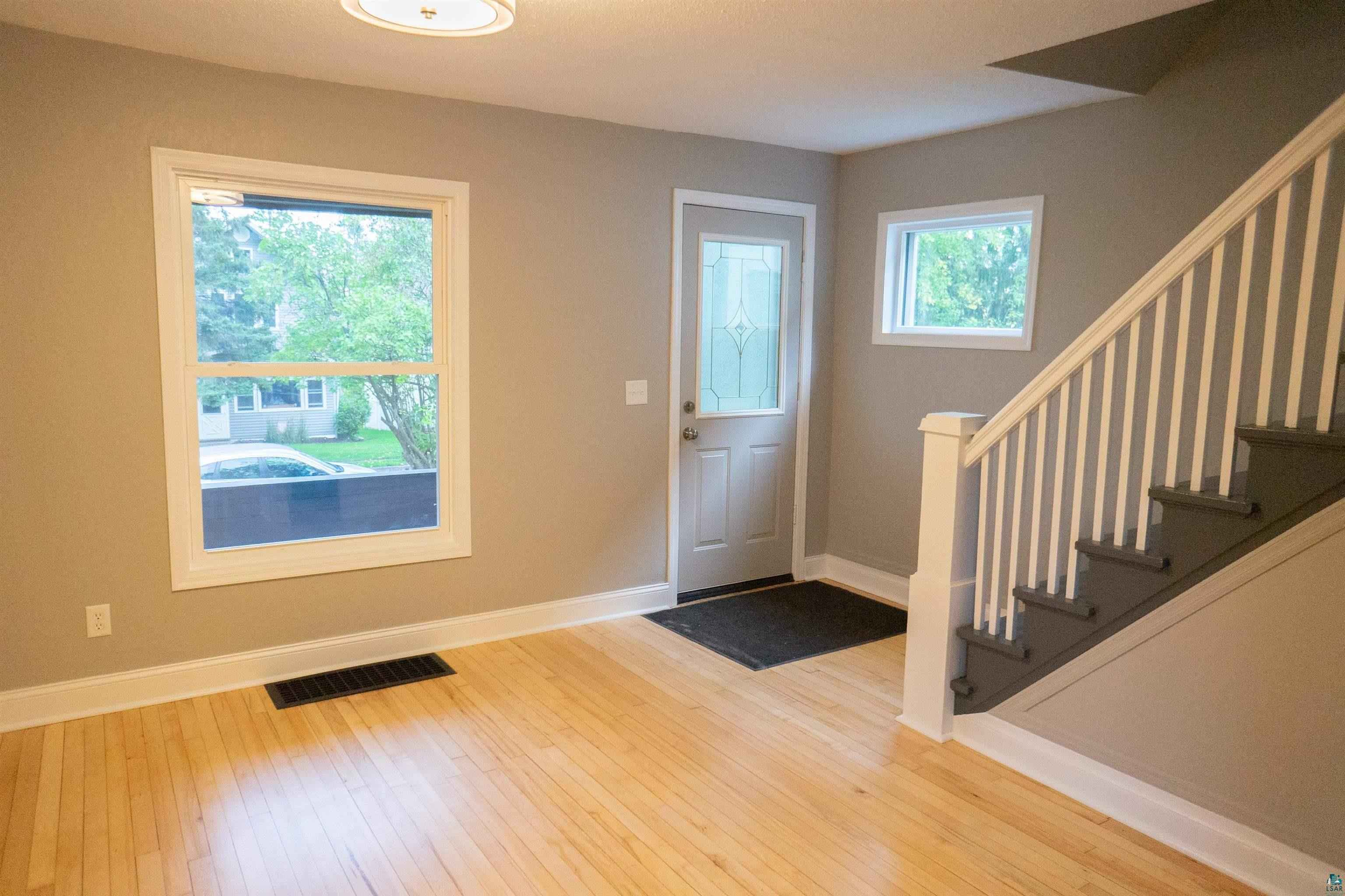 View 19 photos of this 2 bed, 1 bath, and 768 sqft. single_family home located at 1413 E 10th St, Duluth, Minnesota 55805 is Inspection cont (mn) for $154,900.