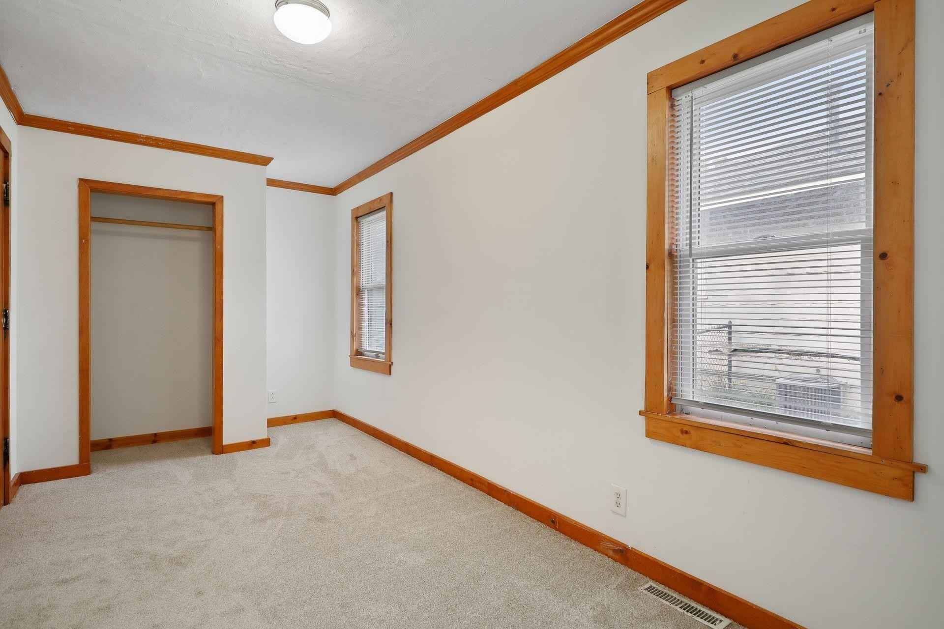 View 27 photos of this 3 bed, 1 bath, and 1,252 sqft. single_family home located at 34 14th Ave N, Hopkins, Minnesota 55343 is Pending for $239,900.