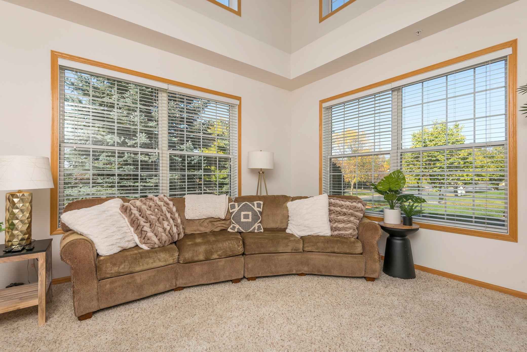 View 34 photos of this 2 bed, 3 bath, and 1,648 sqft. condo home located at 13925 52nd Ave N Apt 1101, Plymouth, Minnesota 55446 is Active for $290,000.