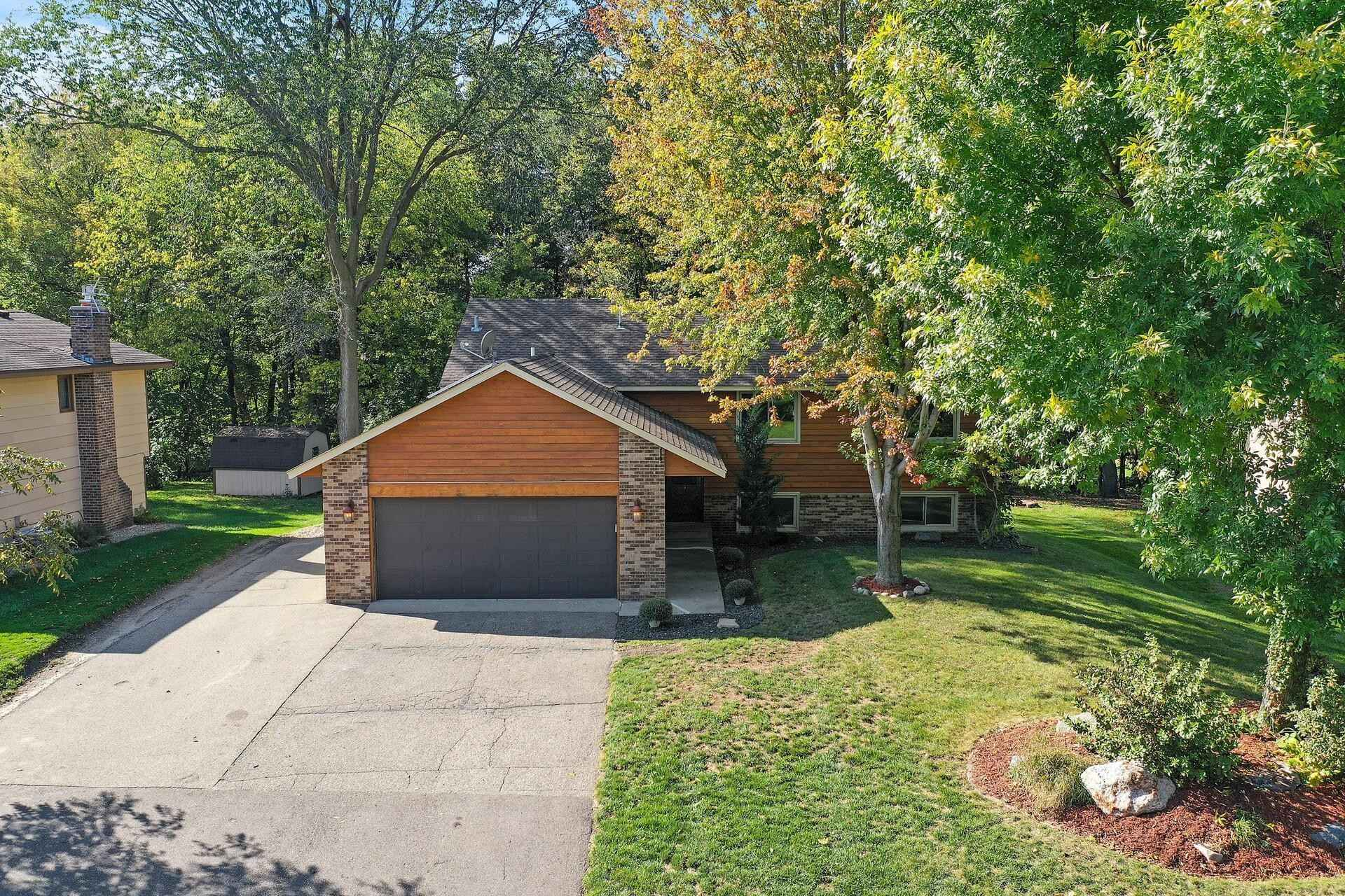 View 35 photos of this 4 bed, 3 bath, and 2,296 sqft. single_family home located at 17124 Sunrise Ave SW, Prior Lake, Minnesota 55372 is Pending for $389,900.
