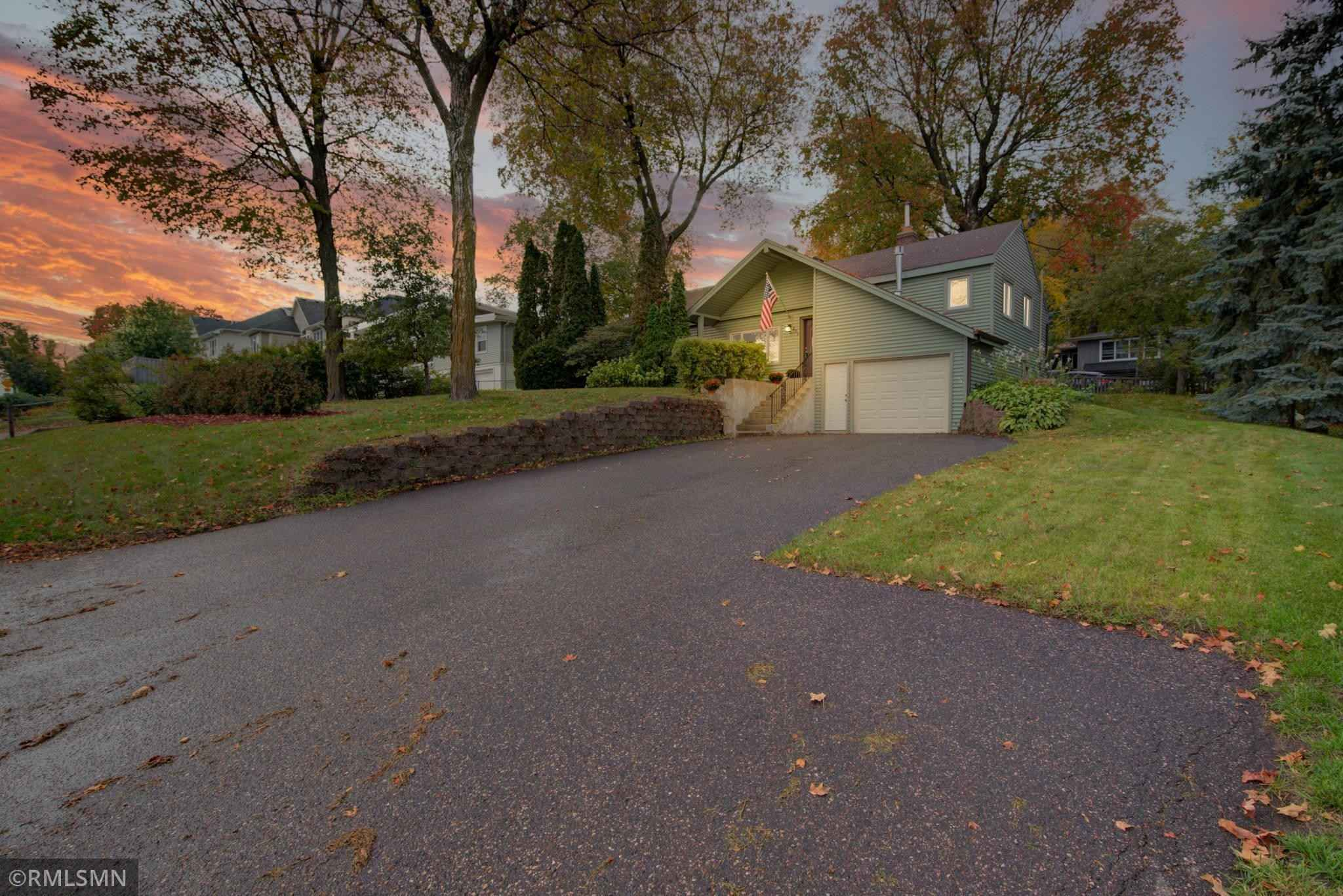 View 21 photos of this 3 bed, 2 bath, and 1,509 sqft. single_family home located at 235 Central Ave N, Wayzata, Minnesota 55391 is Pending for $375,000.