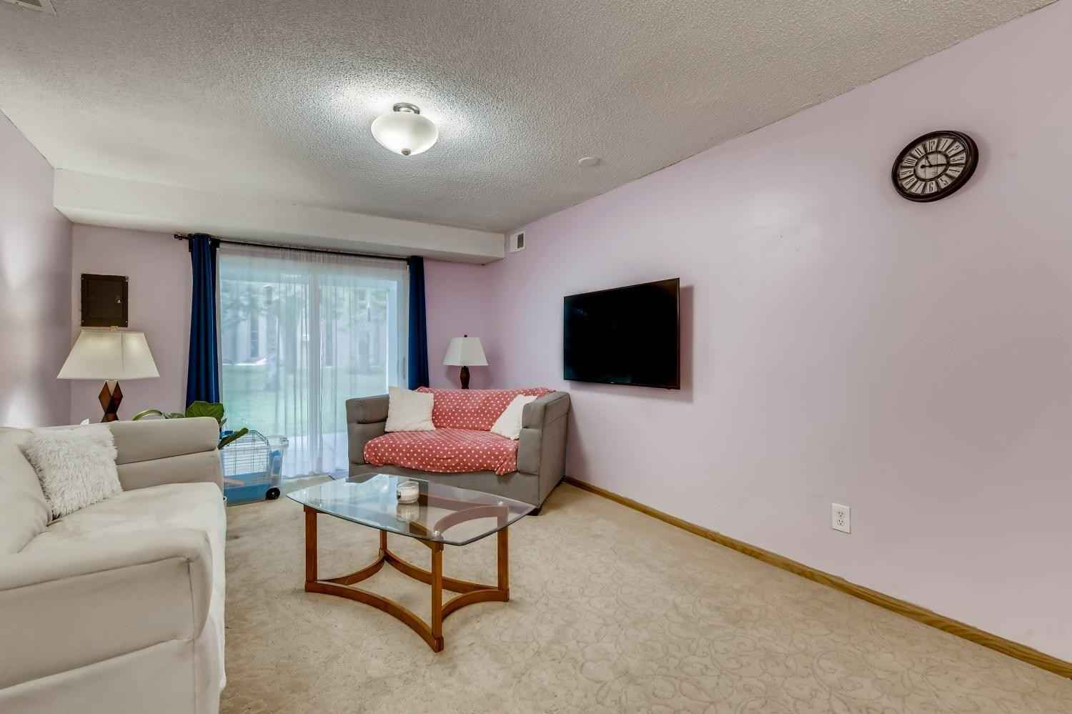 View 27 photos of this 3 bed, 2 bath, and 1,420 sqft. condo home located at 320 Shawnee Trl, Shakopee, Minnesota 55379 is Active for $195,000.
