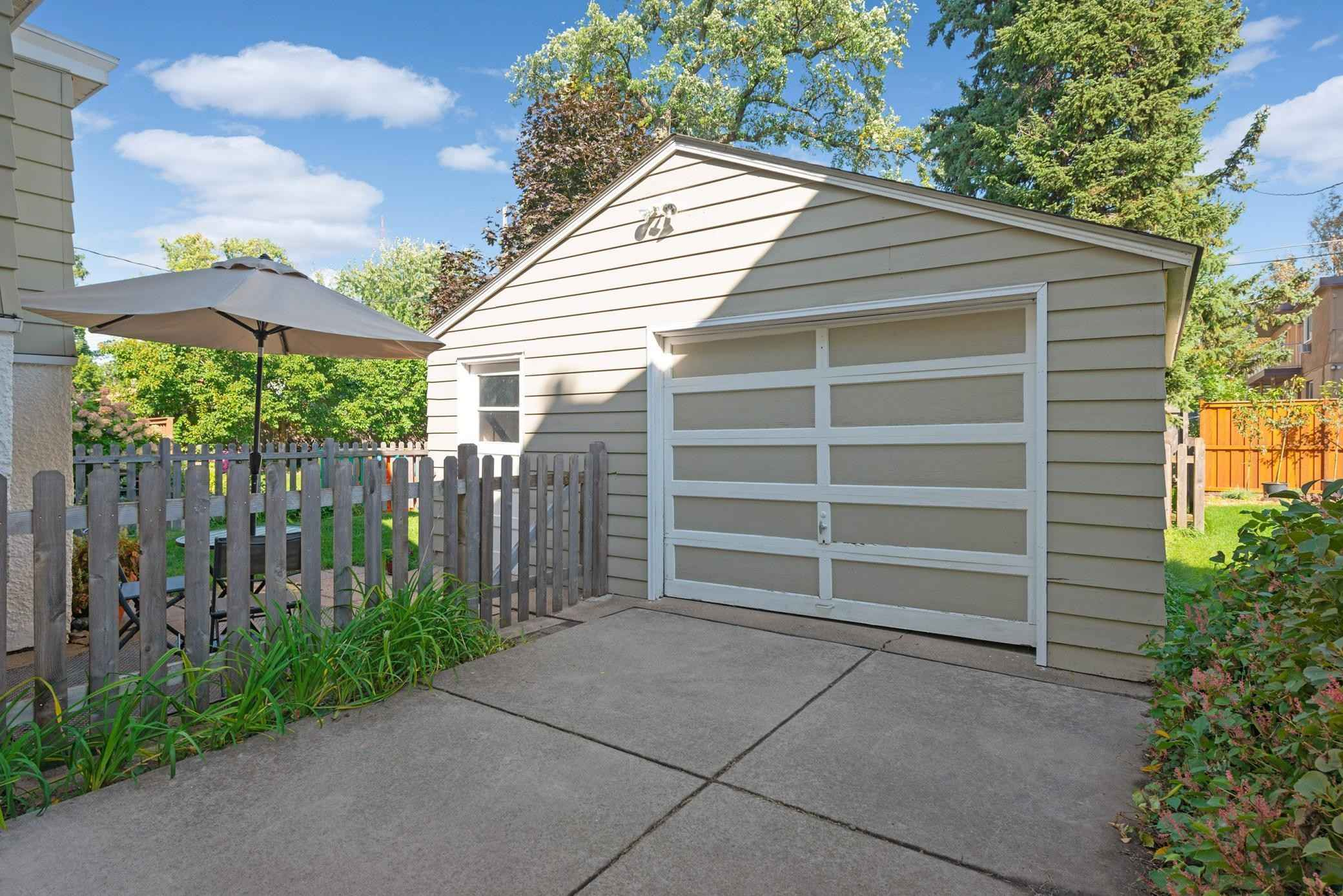 View 52 photos of this 3 bed, 1 bath, and 1,255 sqft. single_family home located at 1305 Hague Ave, Saint Paul, Minnesota 55104 is Active for $310,000.