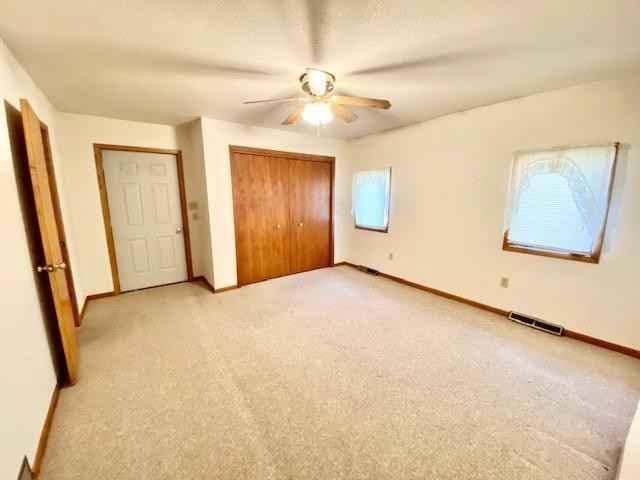 View 17 photos of this 3 bed, 2 bath, and 1,241 sqft. single_family home located at 103 E Flynn St, Redwood Falls, Minnesota 56283 is Active for $110,000.