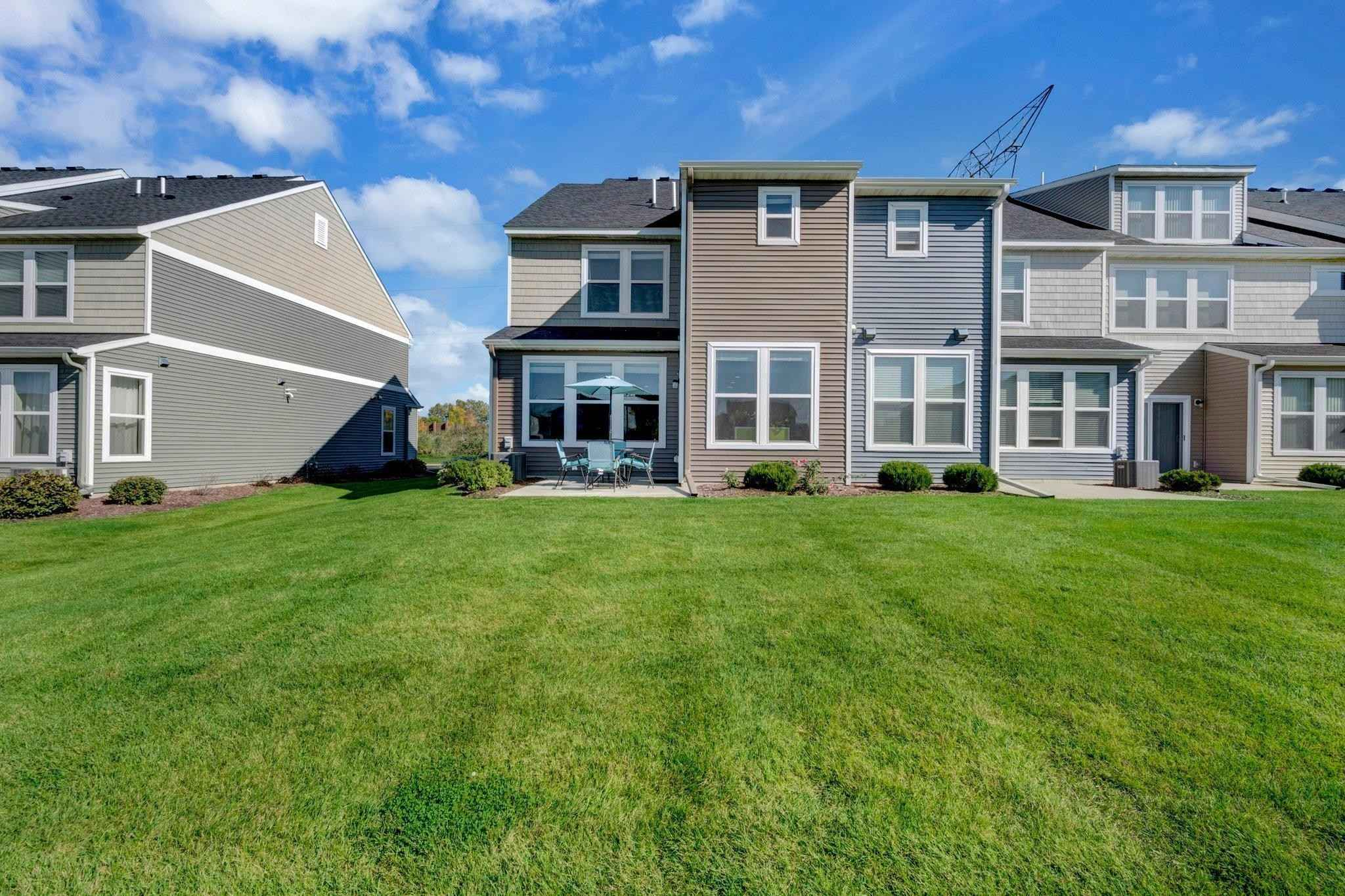 View 37 photos of this 3 bed, 3 bath, and 1,981 sqft. condo home located at 5525 Yucca Ln N, Plymouth, Minnesota 55446 is Pending for $395,000.