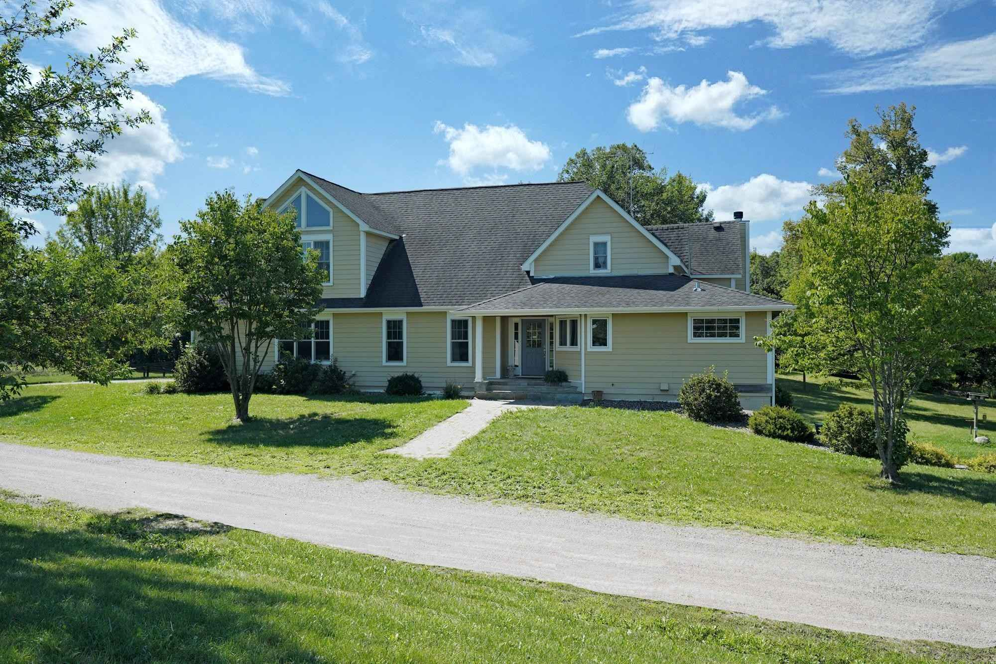 View 46 photos of this 4 bed, 4 bath, and 5,100 sqft. single_family home located at 8855 Darrow Ave SE, Delano, Minnesota 55328 is Pending for $1,895,000.