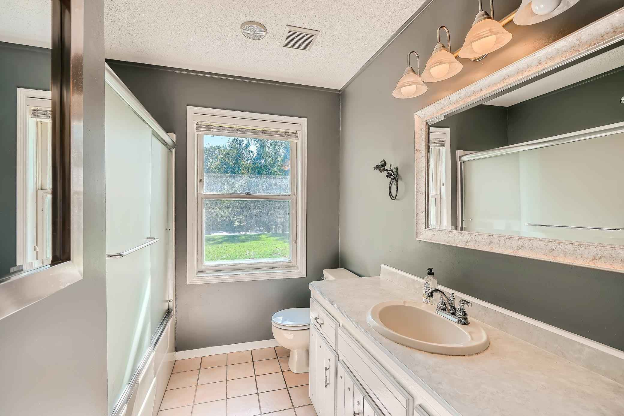 View 28 photos of this 3 bed, 2 bath, and 2,446 sqft. single_family home located at 13207 Island View Dr NW, Elk River, Minnesota 55330 is Pending for $339,900.