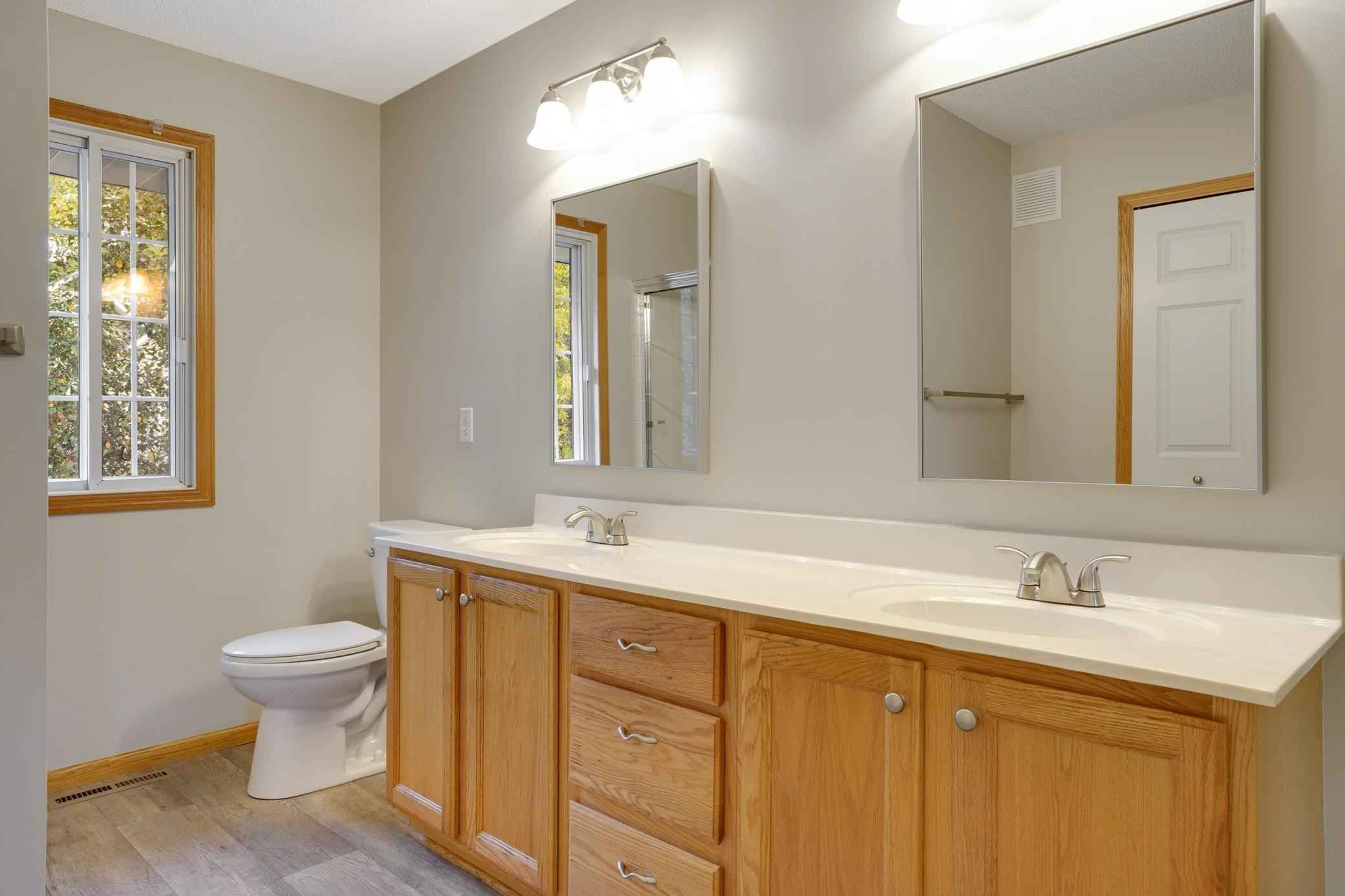 View 34 photos of this 2 bed, 2 bath, and 1,598 sqft. condo home located at 13996 Erwin Ct, Eden Prairie, Minnesota 55344 is Active for $310,000.