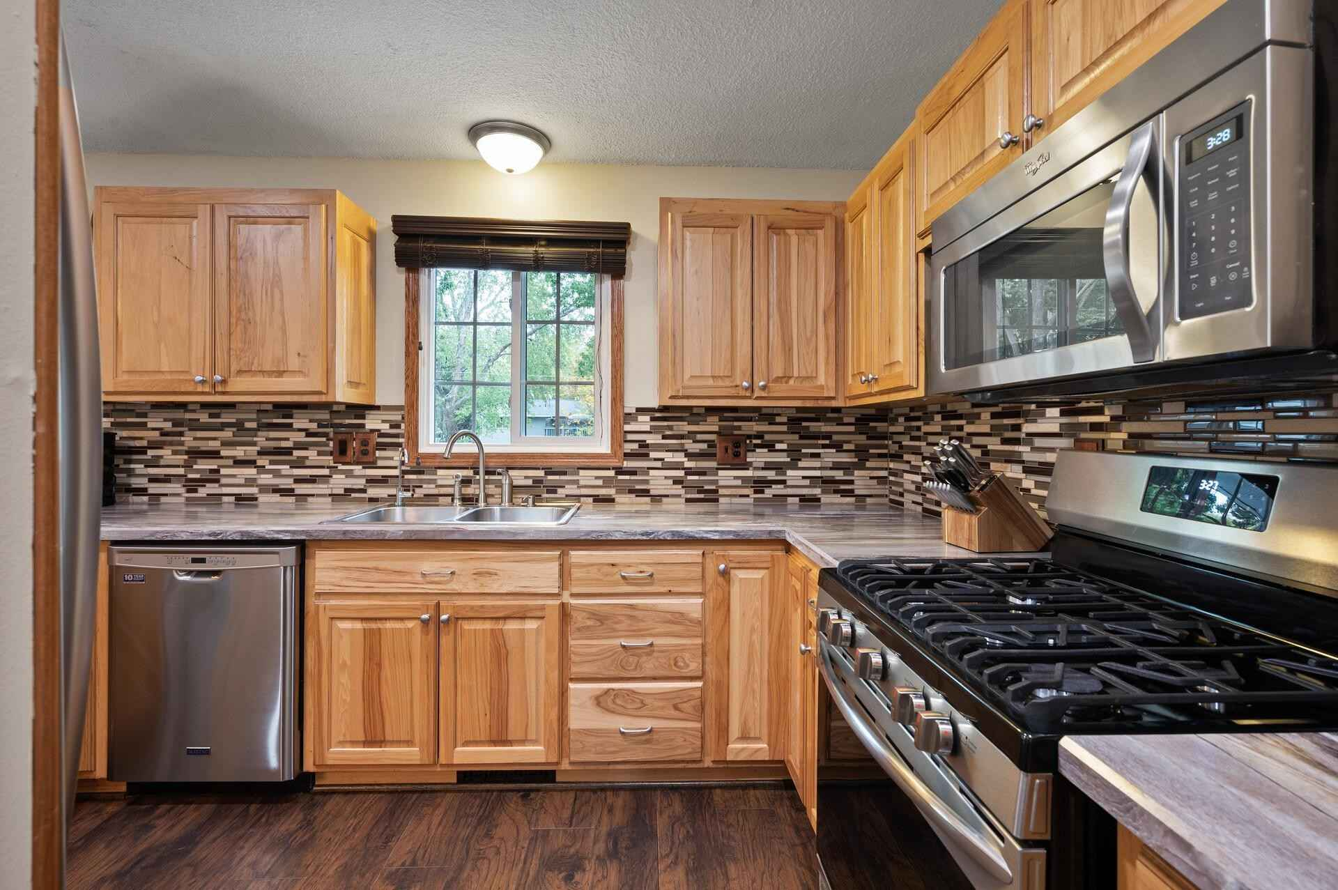 View 48 photos of this 4 bed, 2 bath, and 1,887 sqft. single_family home located at 10161 Palm St NW, Coon Rapids, Minnesota 55433 is Active for $325,000.