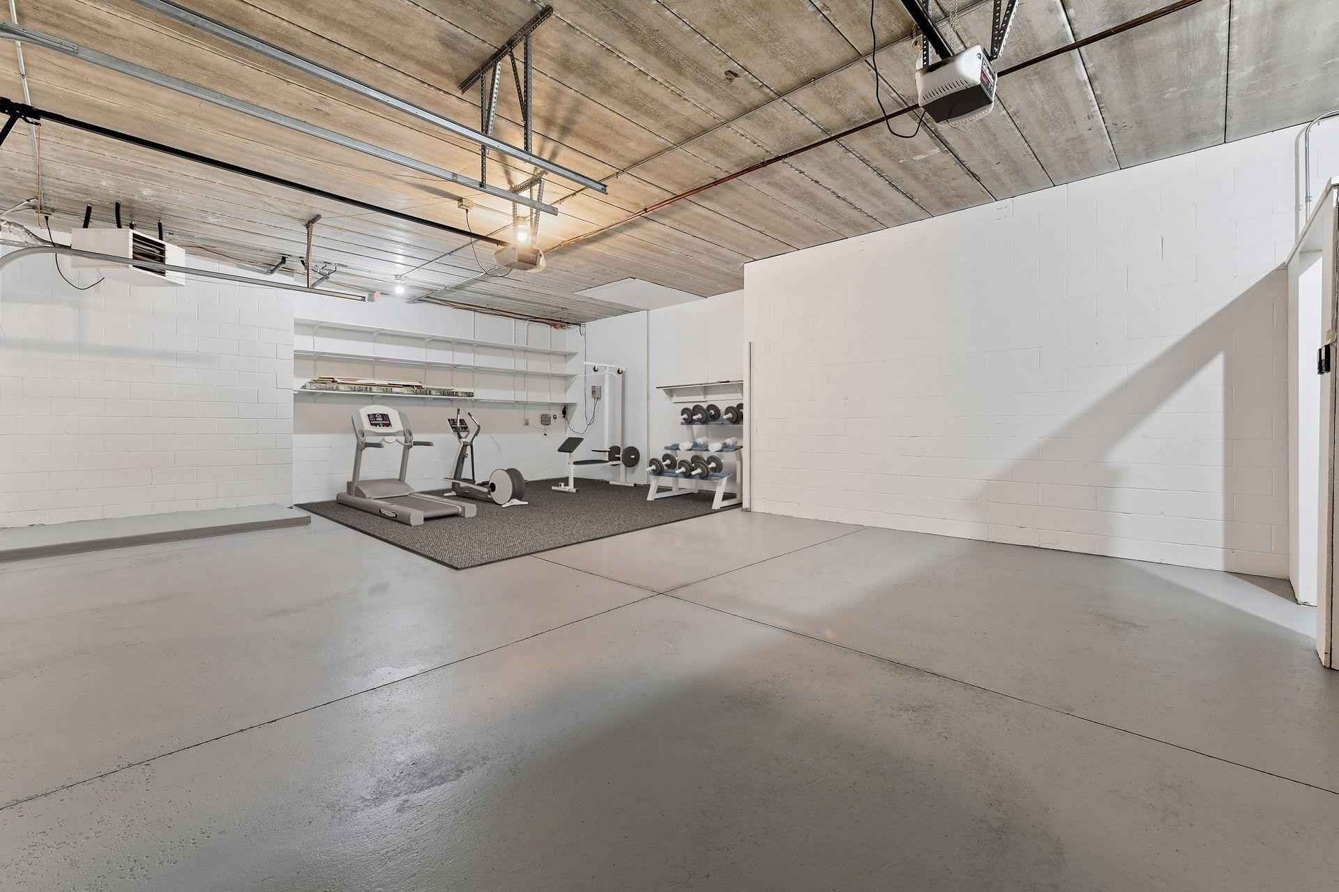View 34 photos of this 2 bed, 2 bath, and 2,206 sqft. condo home located at 4438 Thomas Ave S, Minneapolis, Minnesota 55410 is Active for $900,000.