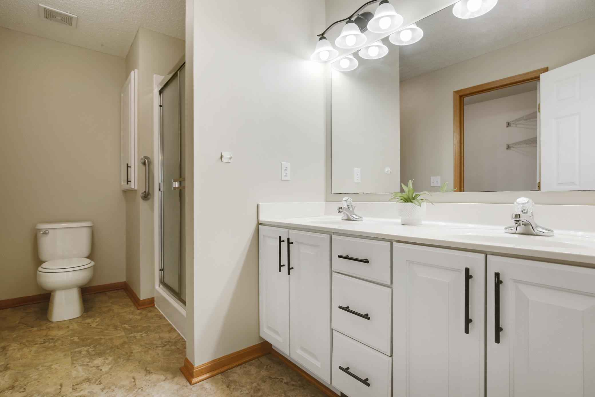 View 46 photos of this 2 bed, 2 bath, and 1,525 sqft. condo home located at 14549 Beverly Ln, Savage, Minnesota 55378 is Active for $293,900.