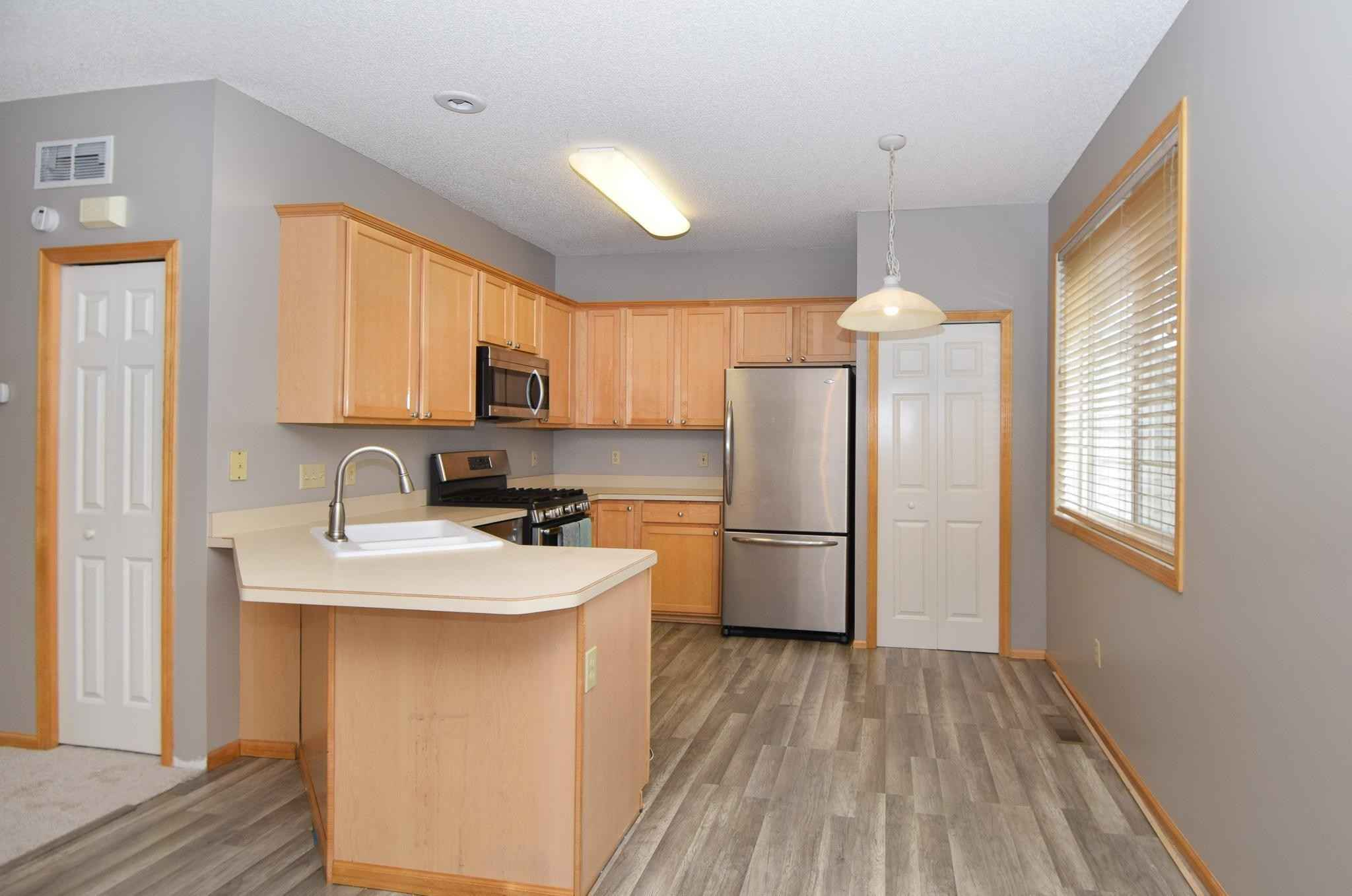 View 34 photos of this 3 bed, 2 bath, and 2,337 sqft. condo home located at 2533 Eagle Trace Ln, Woodbury, Minnesota 55129 is Active for $250,000.