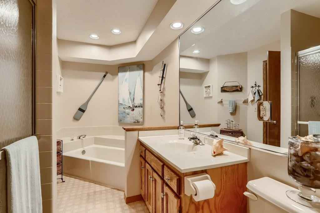 View 25 photos of this 3 bed, 2 bath, and 1,389 sqft. condo home located at 4618 1/2 Penkwe Way, Saint Paul, Minnesota 55122 is Active for $250,000.