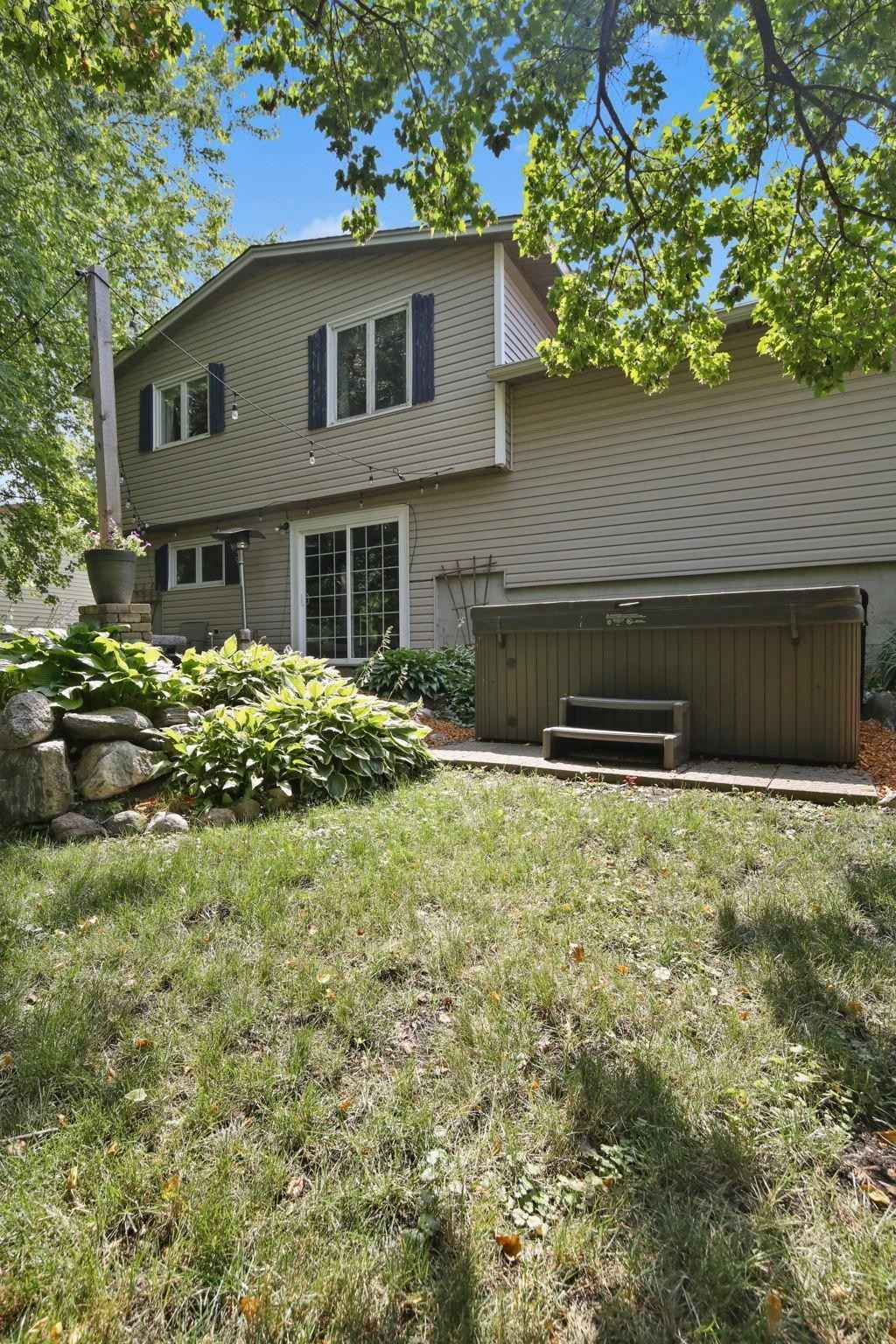 View 47 photos of this 3 bed, 2 bath, and 1,366 sqft. single_family home located at 135 Kendale Ave S, Annandale, Minnesota 55302 is Active for $229,900.