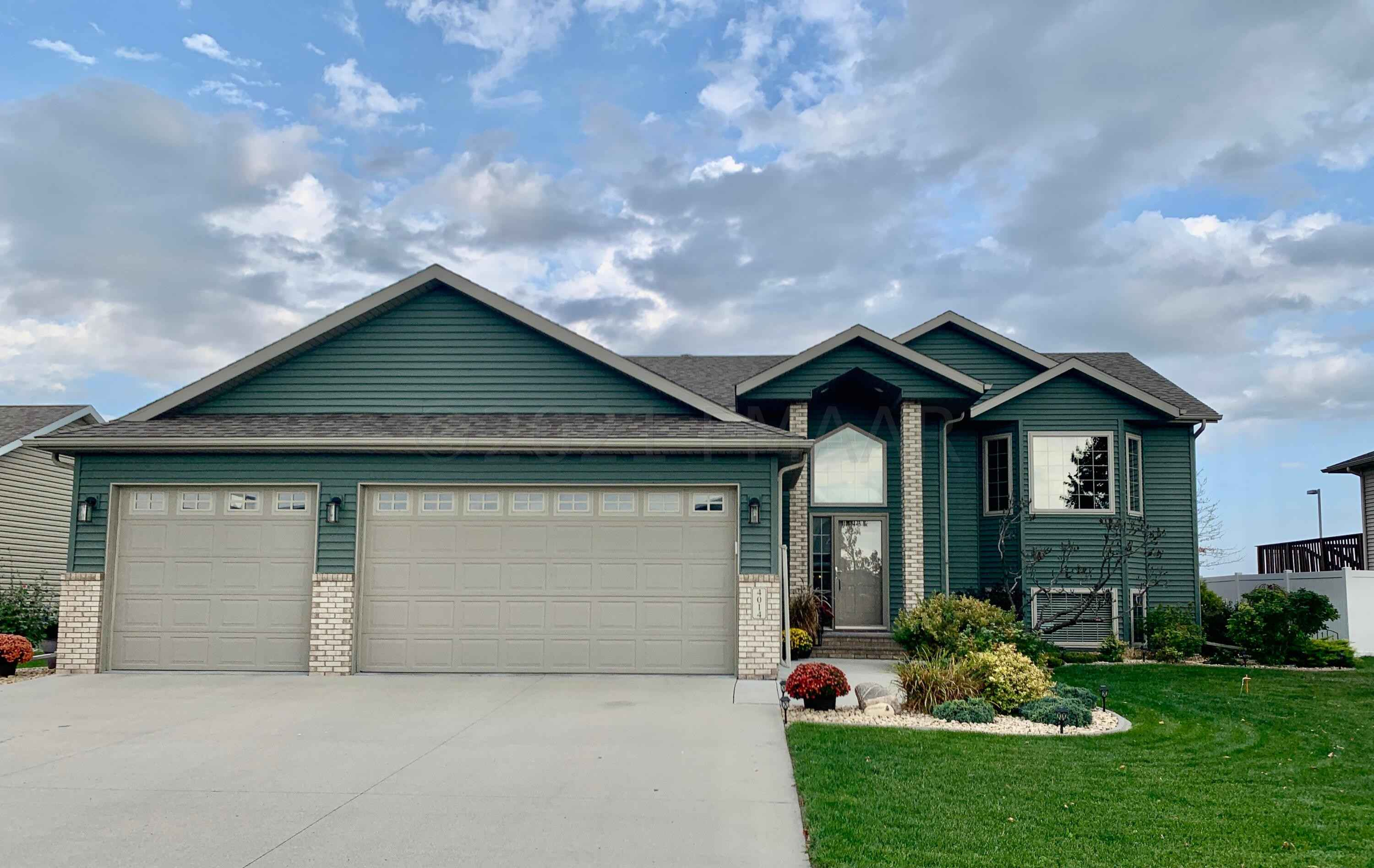 View 32 photos of this 4 bed, 3 bath, and 3,004 sqft. single_family home located at 4014 10th St S, Moorhead, Minnesota 56560 is Inspection for $359,000.