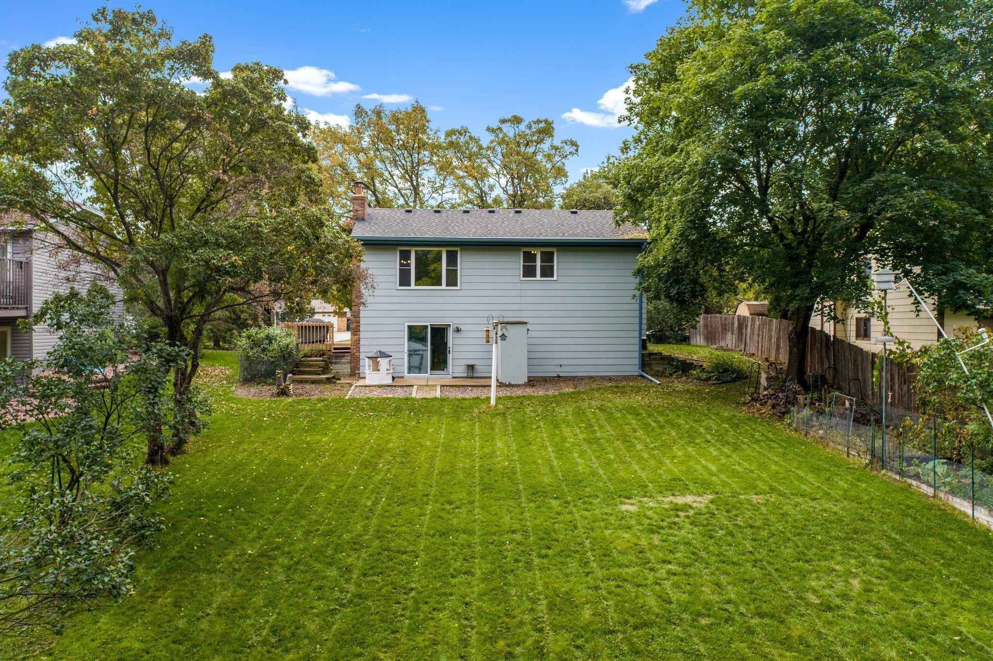 View 64 photos of this 3 bed, 2 bath, and 1,615 sqft. single_family home located at 2816 98th Ave N, Brooklyn Park, Minnesota 55444 is Active for $360,000.