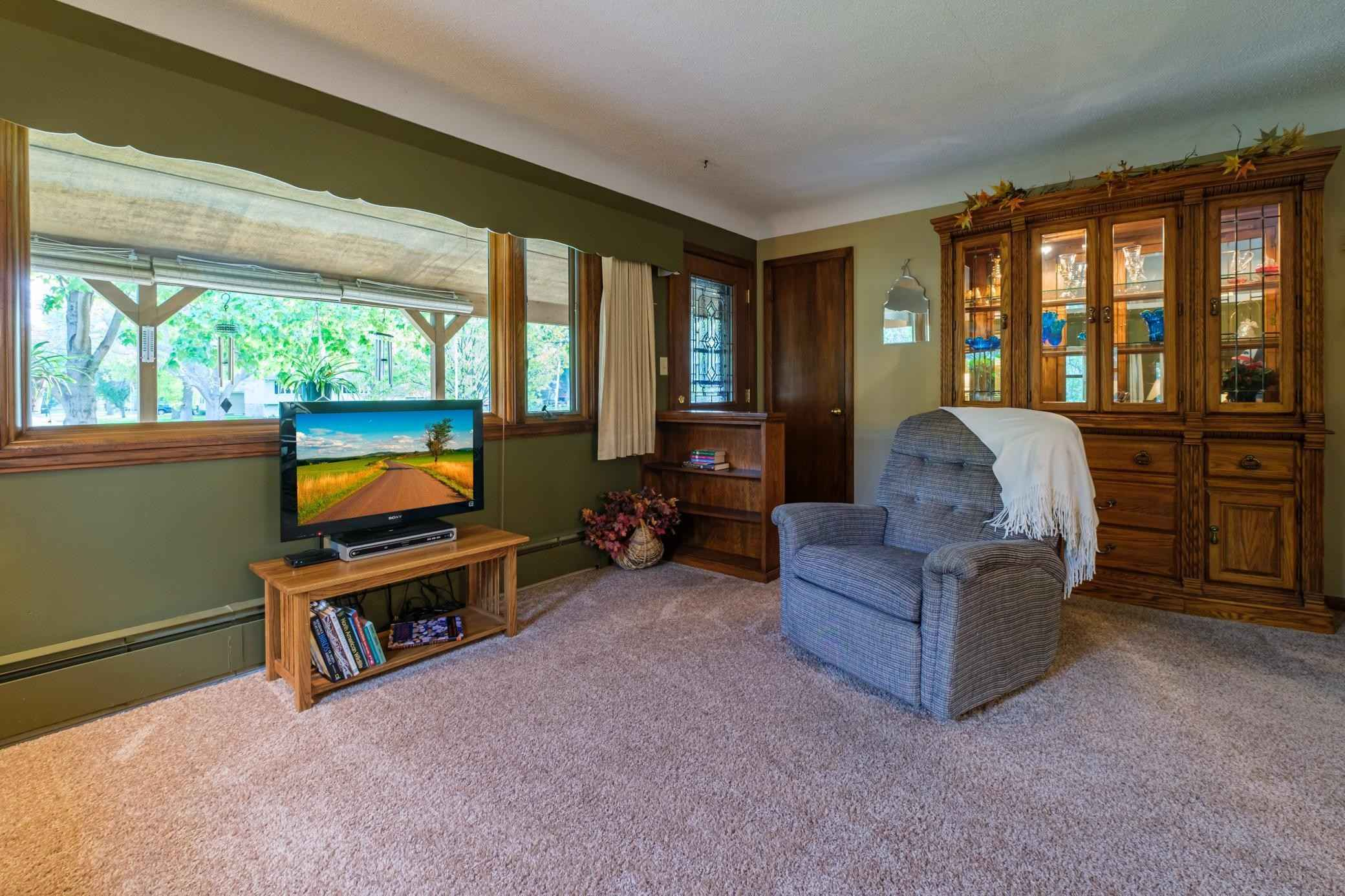 View 17 photos of this 3 bed, 2 bath, and 1,794 sqft. single_family home located at 26 Lincoln Ave E, Gaylord, Minnesota 55334 is Active for $225,000.