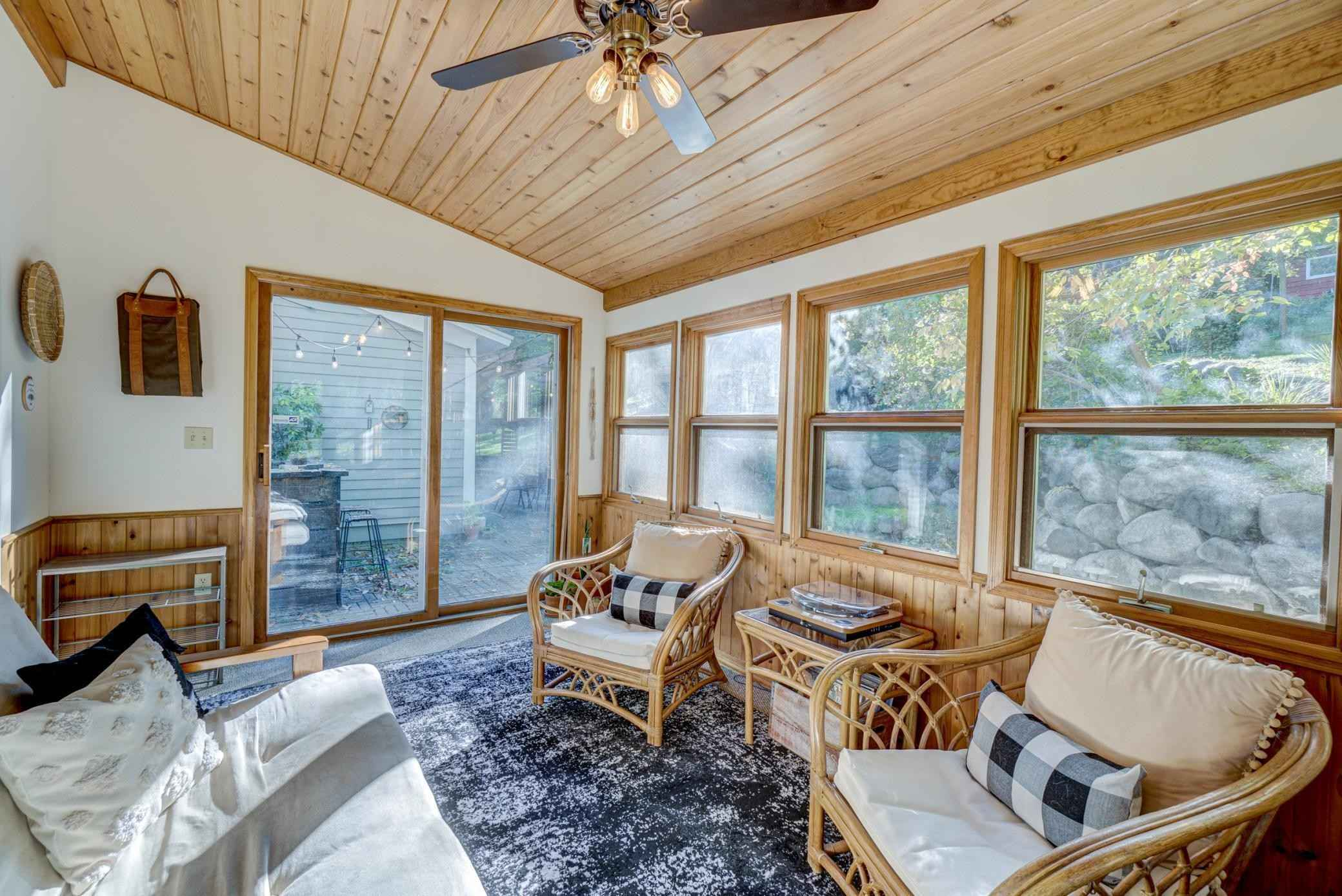 View 38 photos of this 3 bed, 2 bath, and 1,746 sqft. single_family home located at 3160 Perrot Ave S, Afton, Minnesota 55001 is Pending for $389,000.