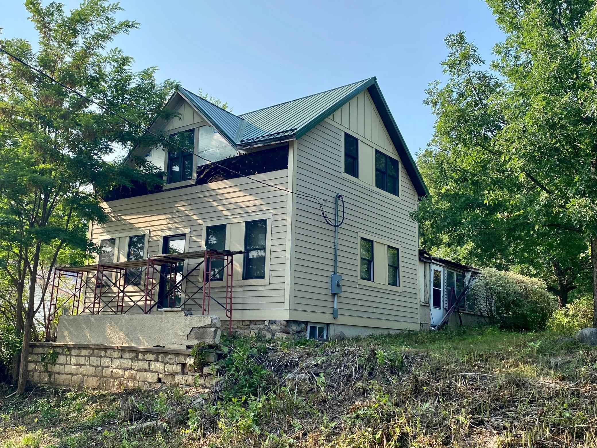 View 27 photos of this 3 bed, 2 bath, and 1,536 sqft. single_family home located at 916 Maple St W, Stillwater, Minnesota 55082 is Pending for $150,000.