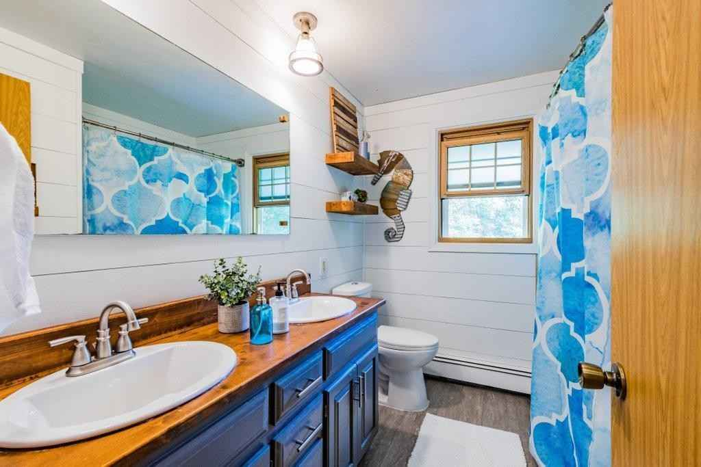 View 25 photos of this 5 bed, 3 bath, and 2,838 sqft. single_family home located at 811 Myrtle St, Buffalo, Minnesota 55313 is Pending for $339,000.