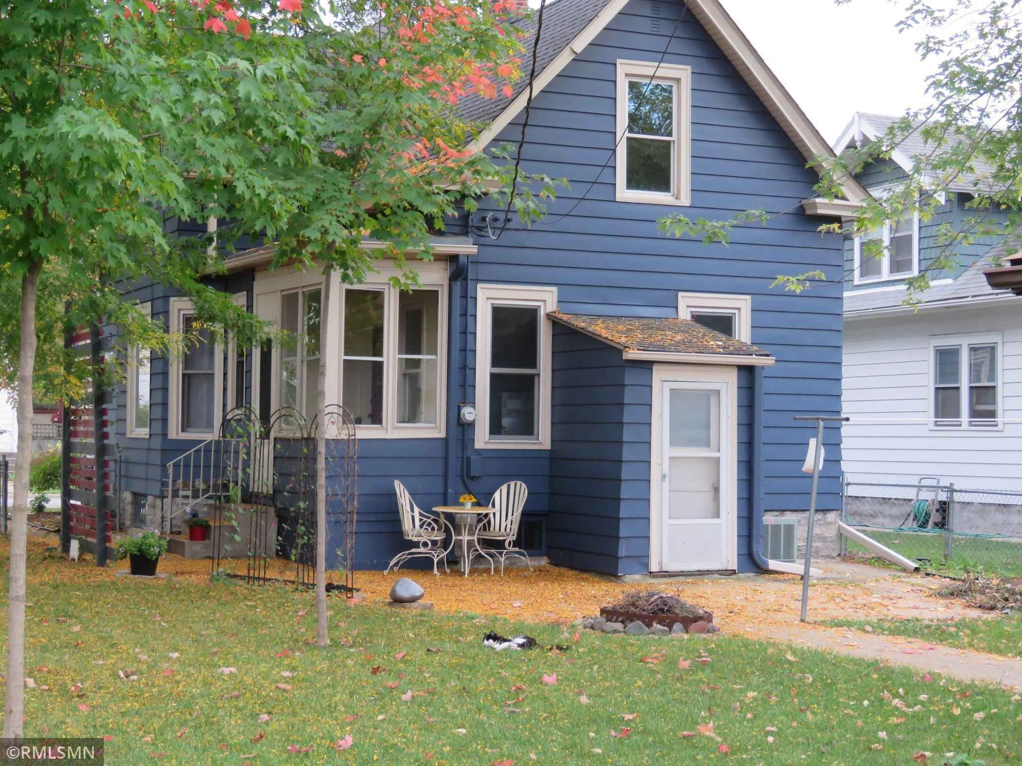 View 8 photos of this 3 bed, 2 bath, and 1,517 sqft. single_family home located at 511 Michigan St, Saint Paul, Minnesota 55102 is _0 for $.