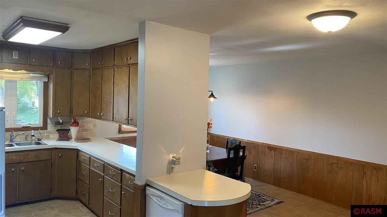 View 31 photos of this 3 bed, 1 bath, and 2,447 sqft. single_family home located at 200 SE 9th Ave, Waseca, Minnesota 56093 is Active for $144,900.