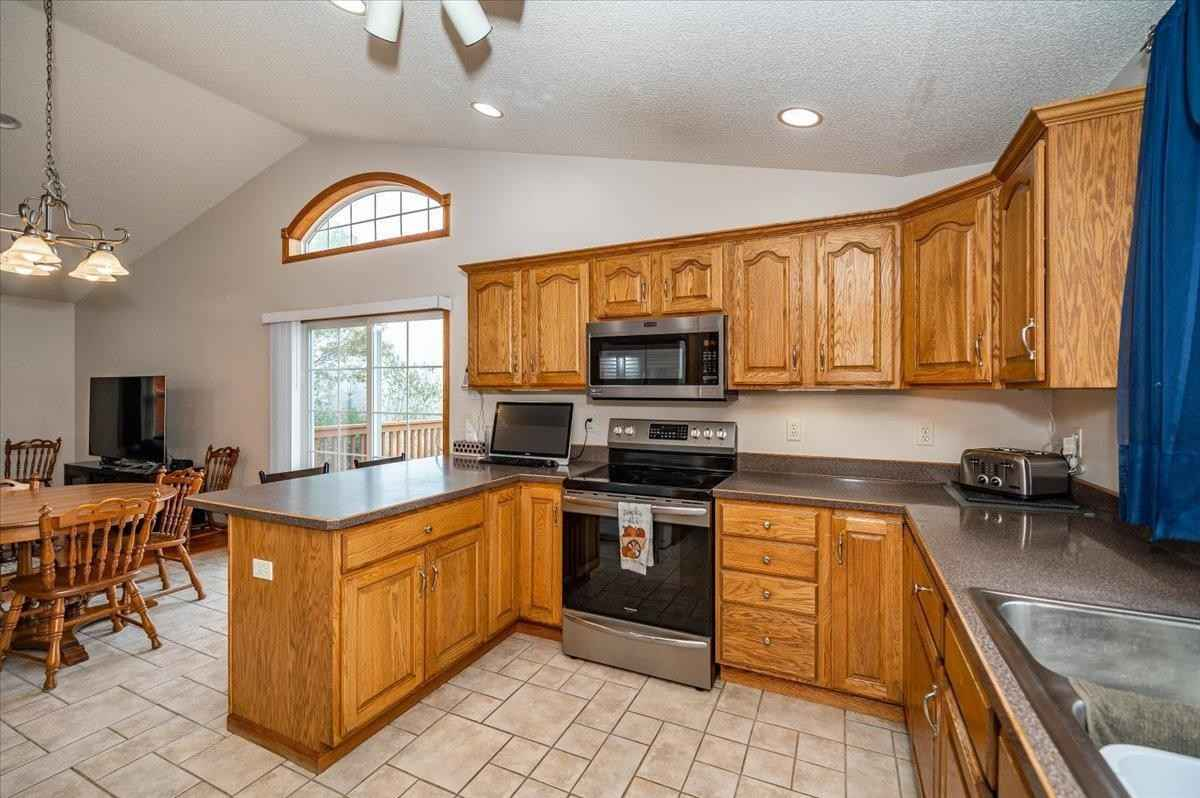 View 17 photos of this 4 bed, 3 bath, and 2,782 sqft. single_family home located at 432 Clark Ct, Duluth, Minnesota 55811 is Active for $400,000.