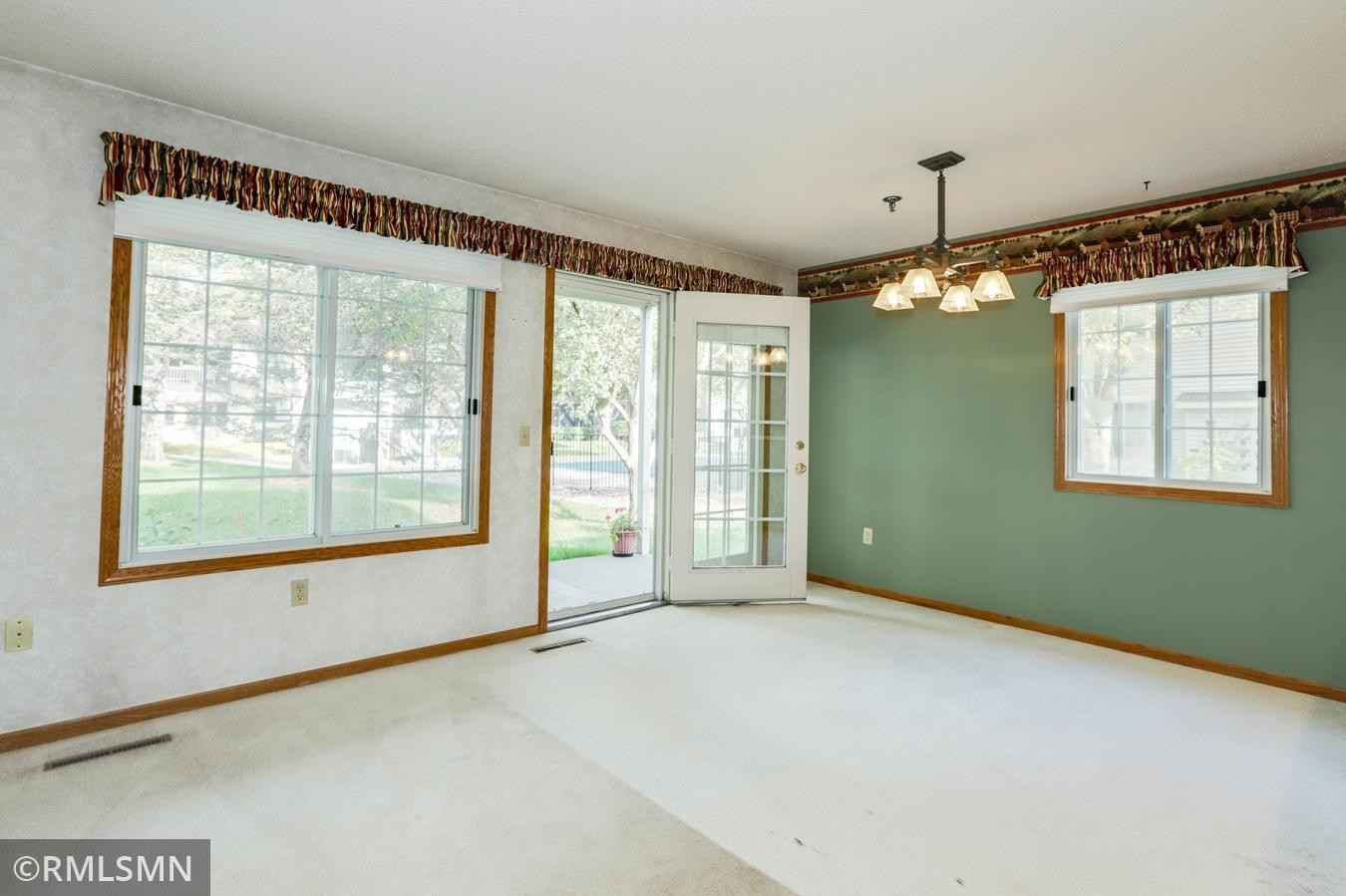 View 28 photos of this 2 bed, 2 bath, and 924 sqft. condo home located at 11145 Oregon Cir, Bloomington, Minnesota 55438 is Active for $197,500.