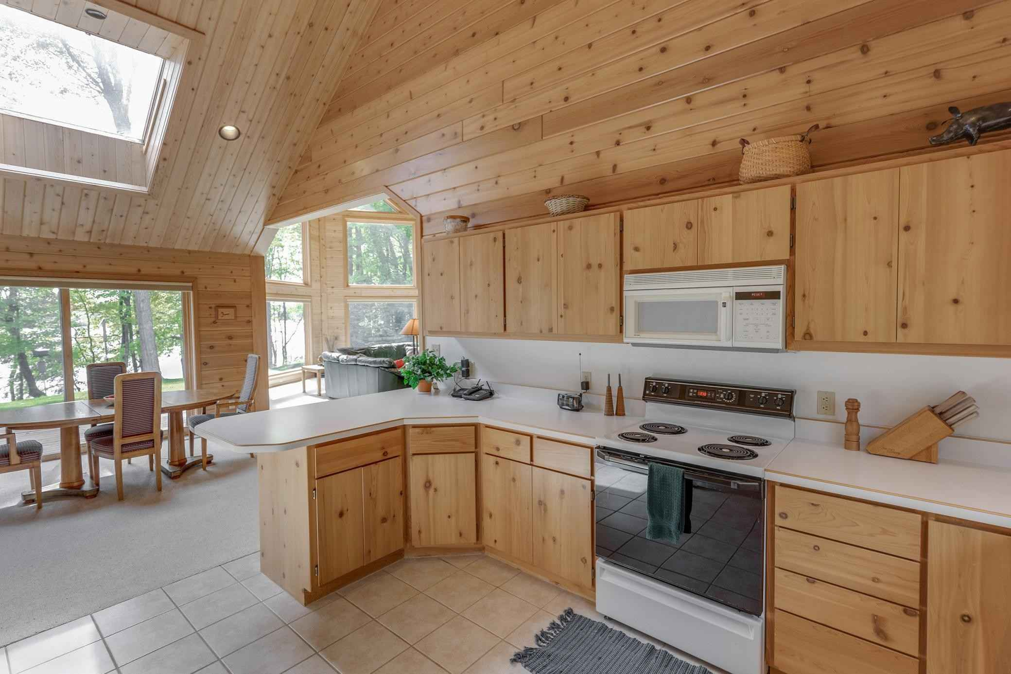 View 57 photos of this 4 bed, 3 bath, and 2,546 sqft. single_family home located at 33144 458th Pl, Aitkin, Minnesota 56431 is Pending for $995,000.
