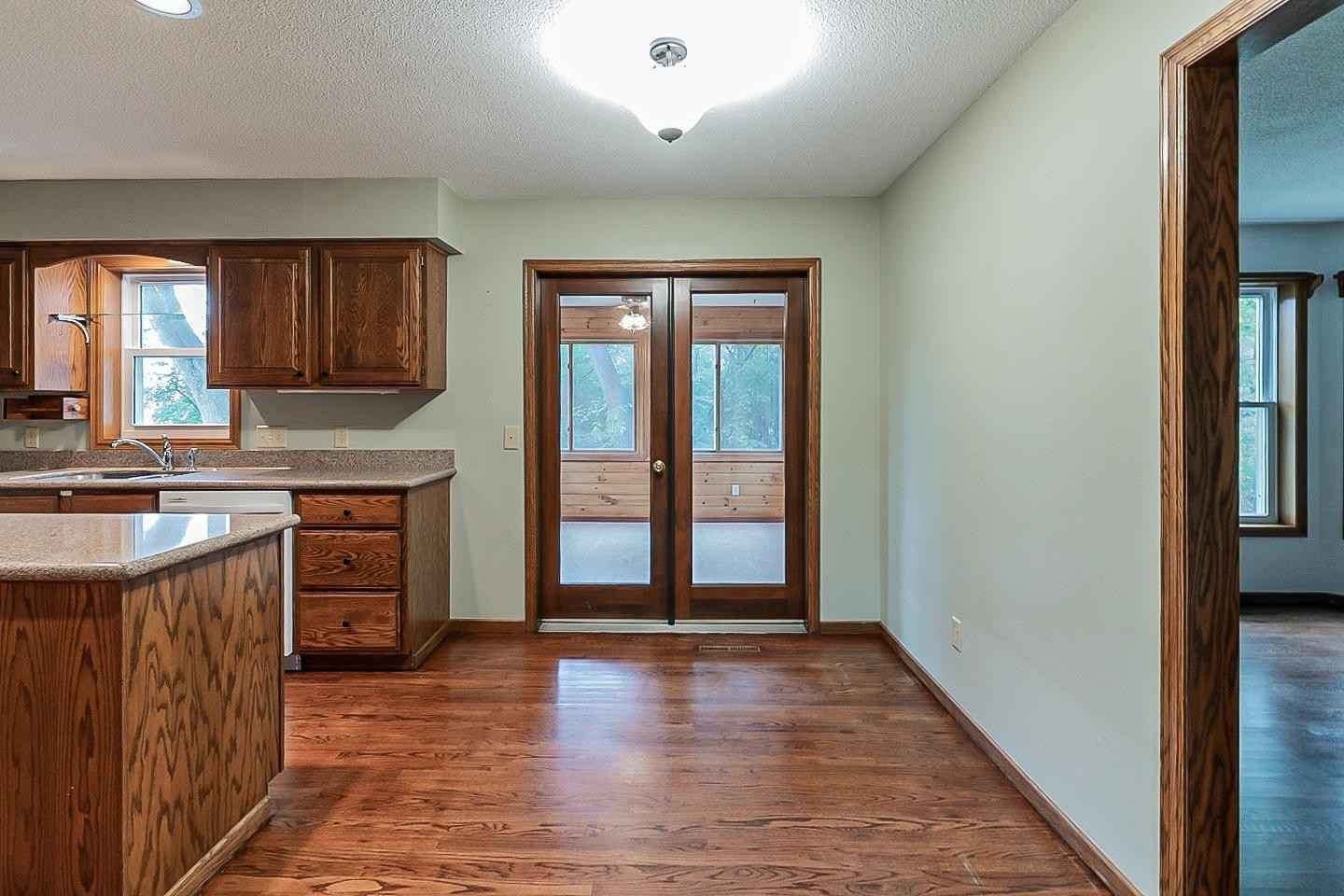 View 32 photos of this 5 bed, 4 bath, and 3,380 sqft. single_family home located at 7720 133rd St W, Saint Paul, Minnesota 55124 is Active for $520,000.