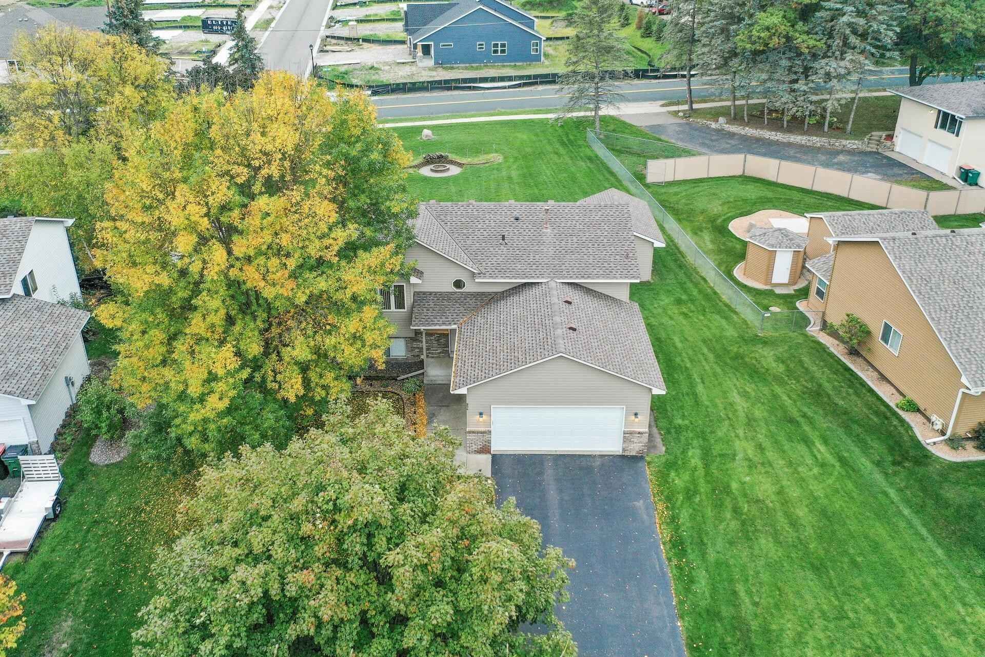 View 49 photos of this 3 bed, 2 bath, and 1,516 sqft. single_family home located at 854 113th Ln NE, Blaine, Minnesota 55434 is Active for $350,000.