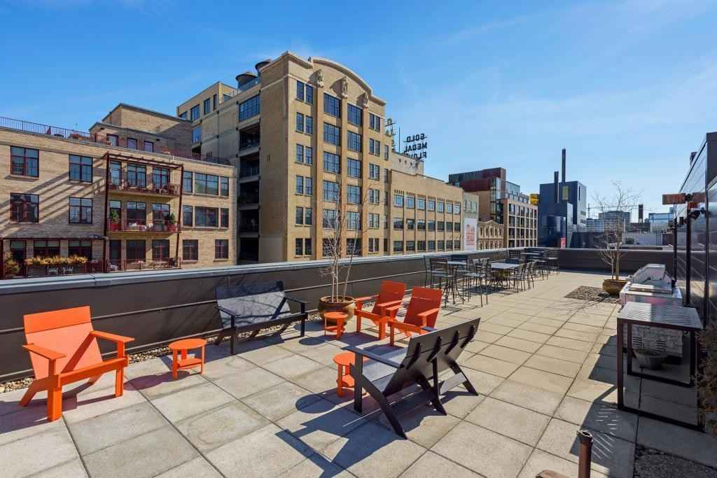 View 41 photos of this 2 bed, 3 bath, and 2,038 sqft. condo home located at 200 Park Ave Unit 100, Minneapolis, Minnesota 55415 is Active for $799,900.