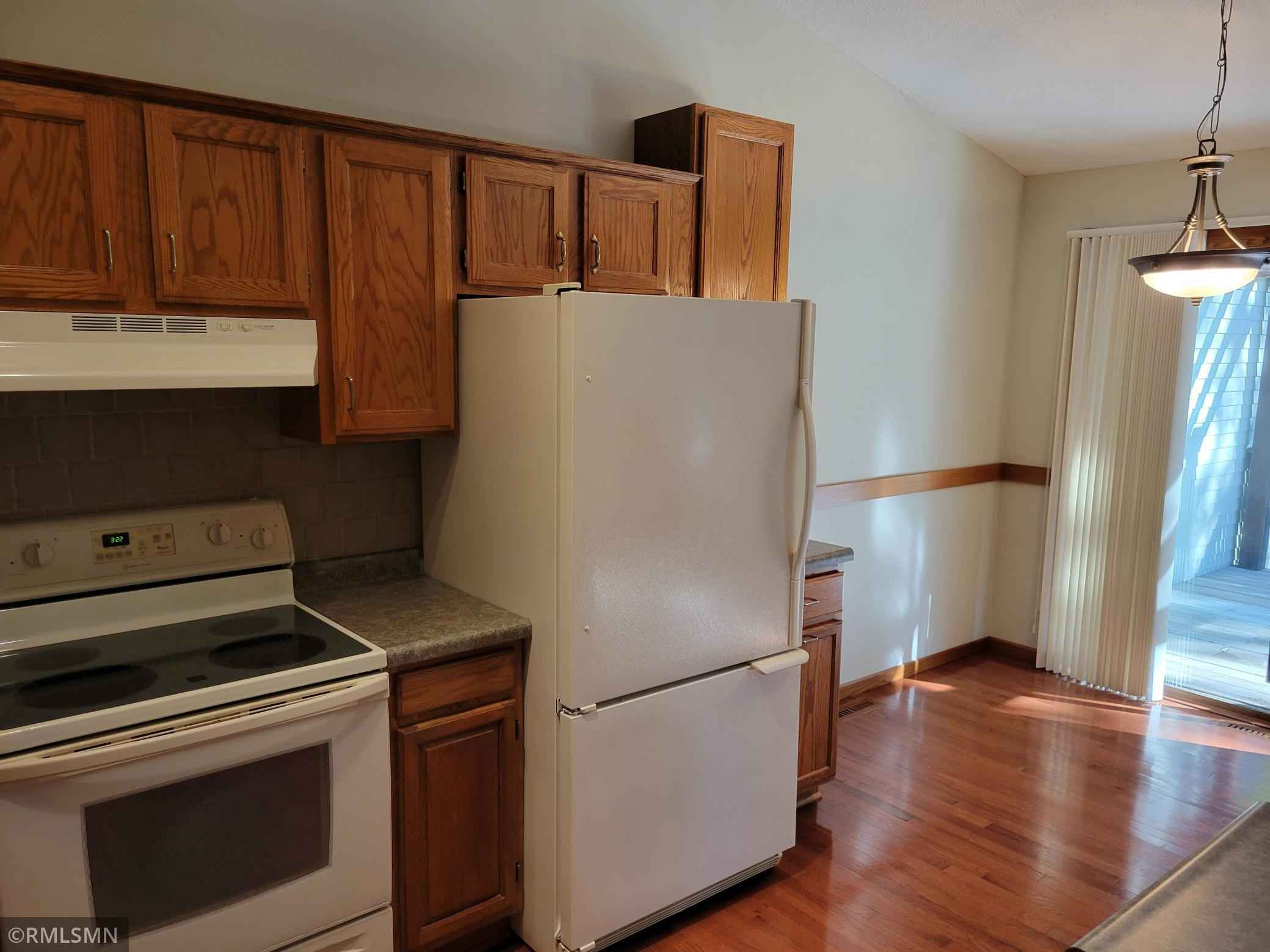 View 30 photos of this 3 bed, 2 bath, and 1,424 sqft. condo home located at 1928 55th Street Ct E, Inver Grove Heights, Minnesota 55077 is Pending for $247,900.