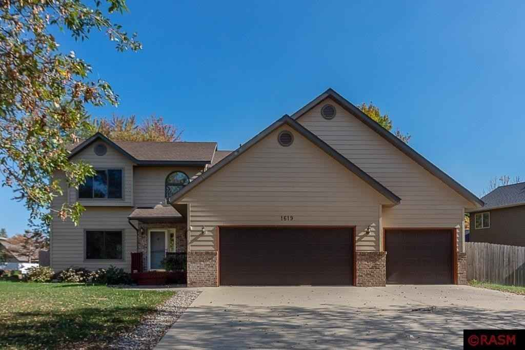 View 43 photos of this 5 bed, 4 bath, and 3,532 sqft. single_family home located at 1619 Northridge Ln, North Mankato, Minnesota 56003 is Pending for $399,900.