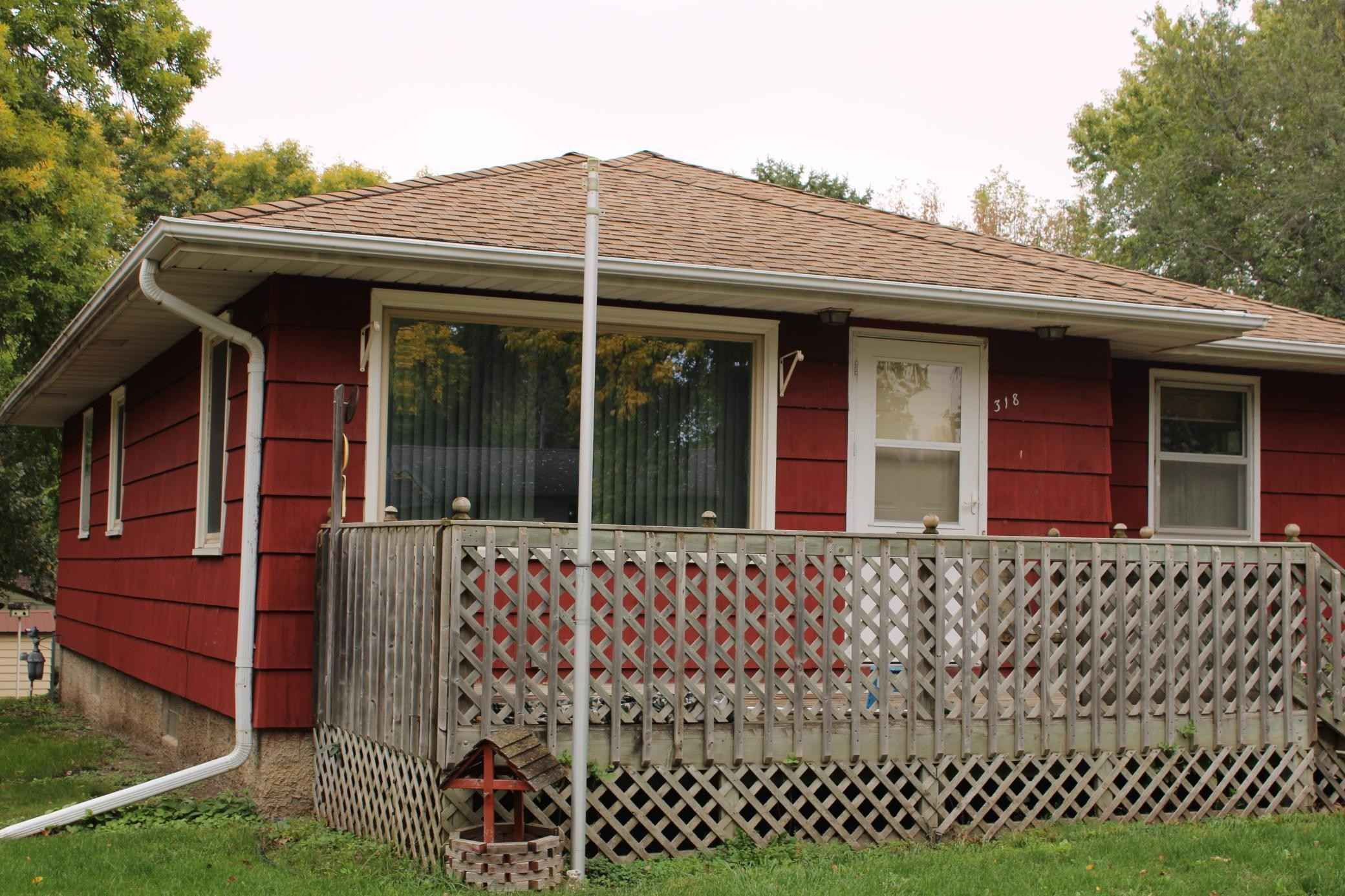 View 19 photos of this 3 bed, 2 bath, and 1,050 sqft. single_family home located at 318 1st St NE, Clara City, Minnesota 56222 is Pending for $65,000.