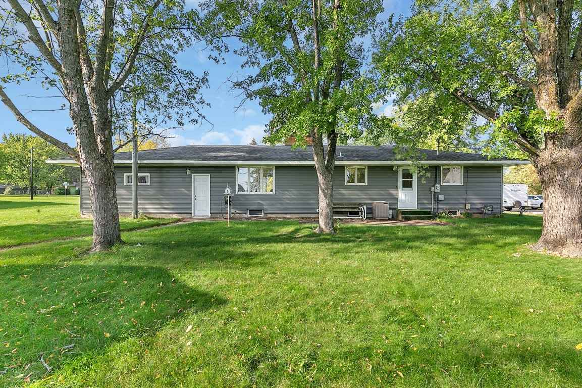 View 22 photos of this 3 bed, 2 bath, and 1,618 sqft. single_family home located at 1036 Sunset Ridge Rd, Saint Cloud, Minnesota 56303 is Active for $239,900.