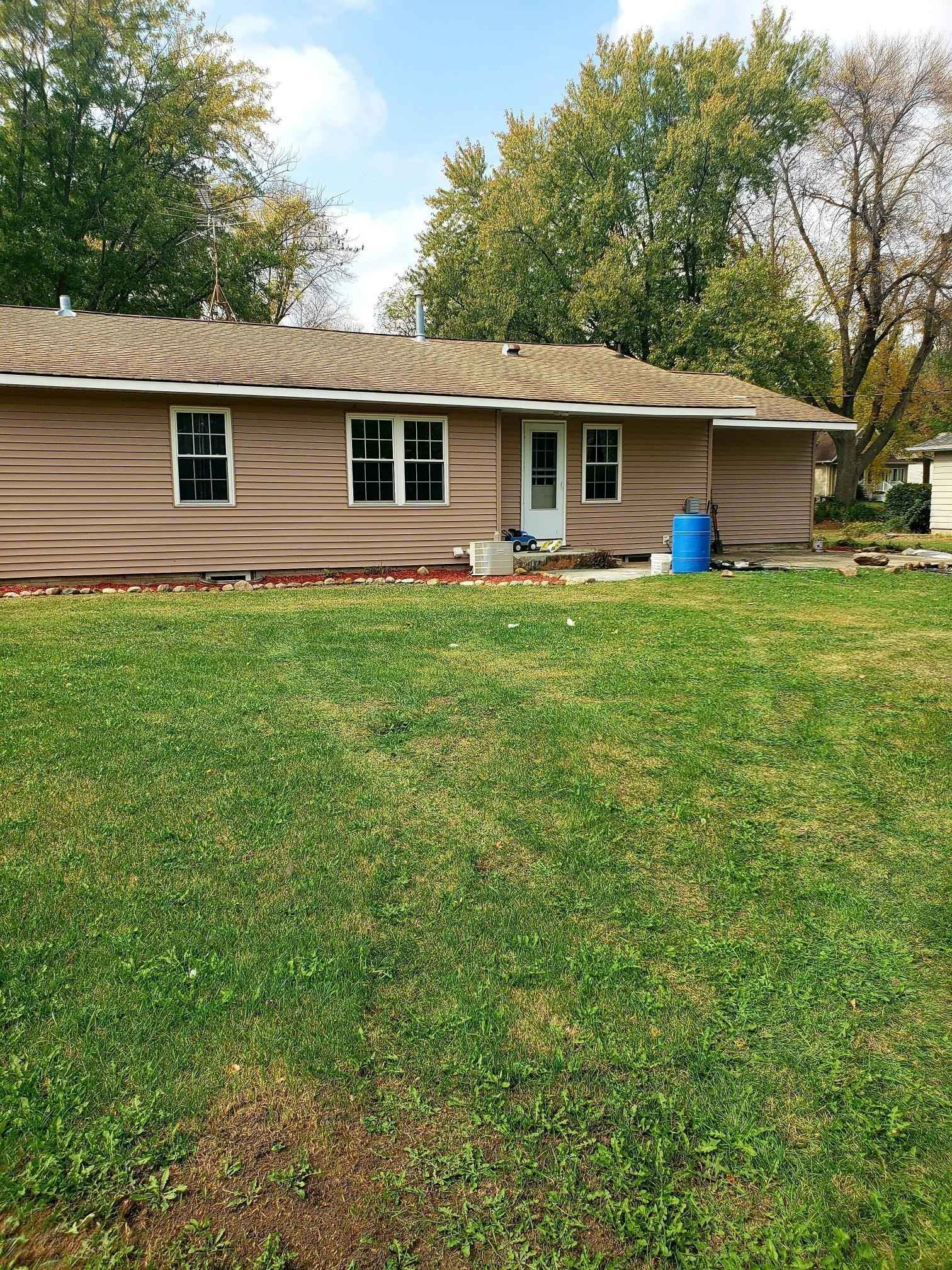 View 16 photos of this 3 bed, 1 bath, and 1,166 sqft. single_family home located at 501 4th St, Lyle, Minnesota 55953 is Active for $112,000.