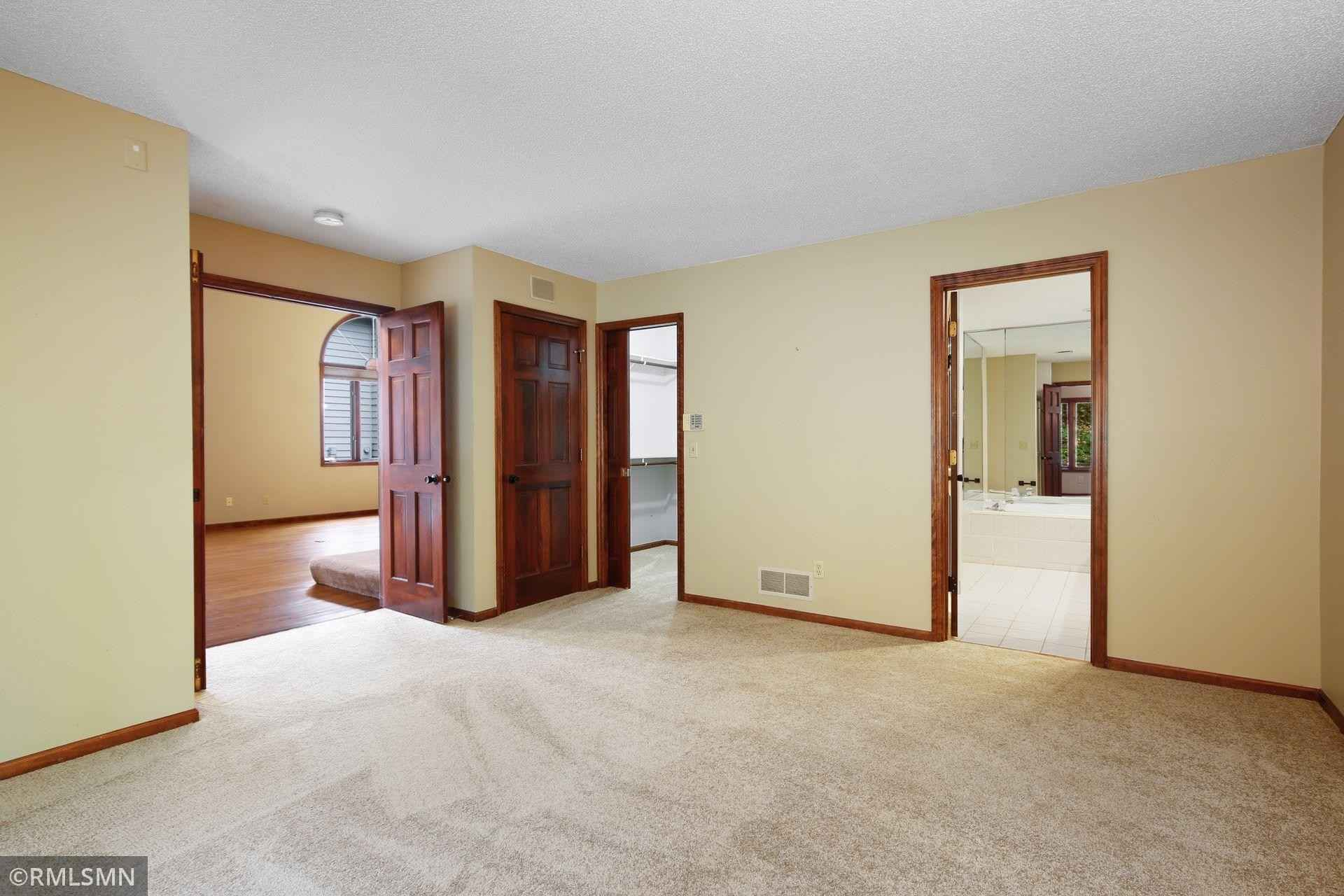 View 33 photos of this 3 bed, 3 bath, and 3,215 sqft. condo home located at 11610 Normandale Blvd, Bloomington, Minnesota 55437 is Active for $520,000.