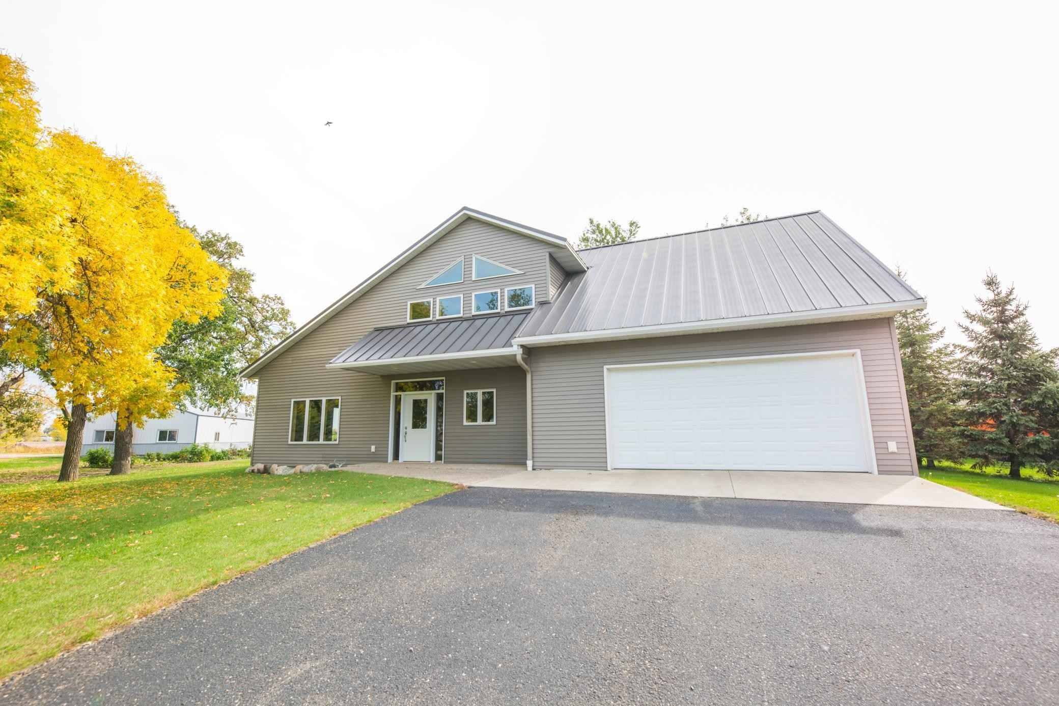 View 45 photos of this 3 bed, 4 bath, and 3,181 sqft. single_family home located at 12313 Forada Beach Rd SE, Alexandria, Minnesota 56308 is Active for $389,900.