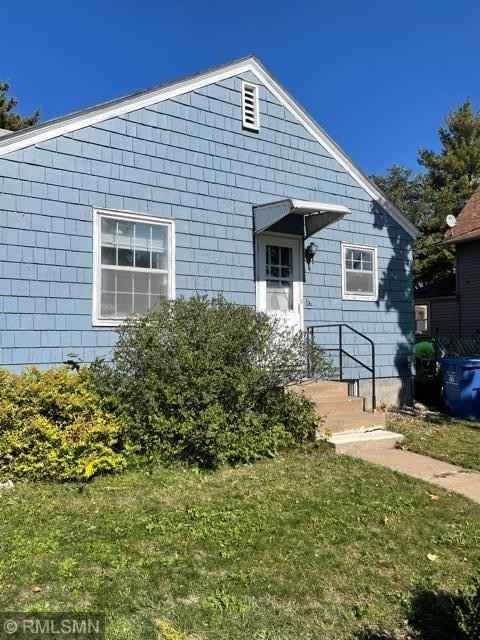 View 16 photos of this 2 bed, 1 bath, and 945 sqft. single_family home located at 2500 Aldrich Ave N, Minneapolis, Minnesota 55411 is Active for $155,000.