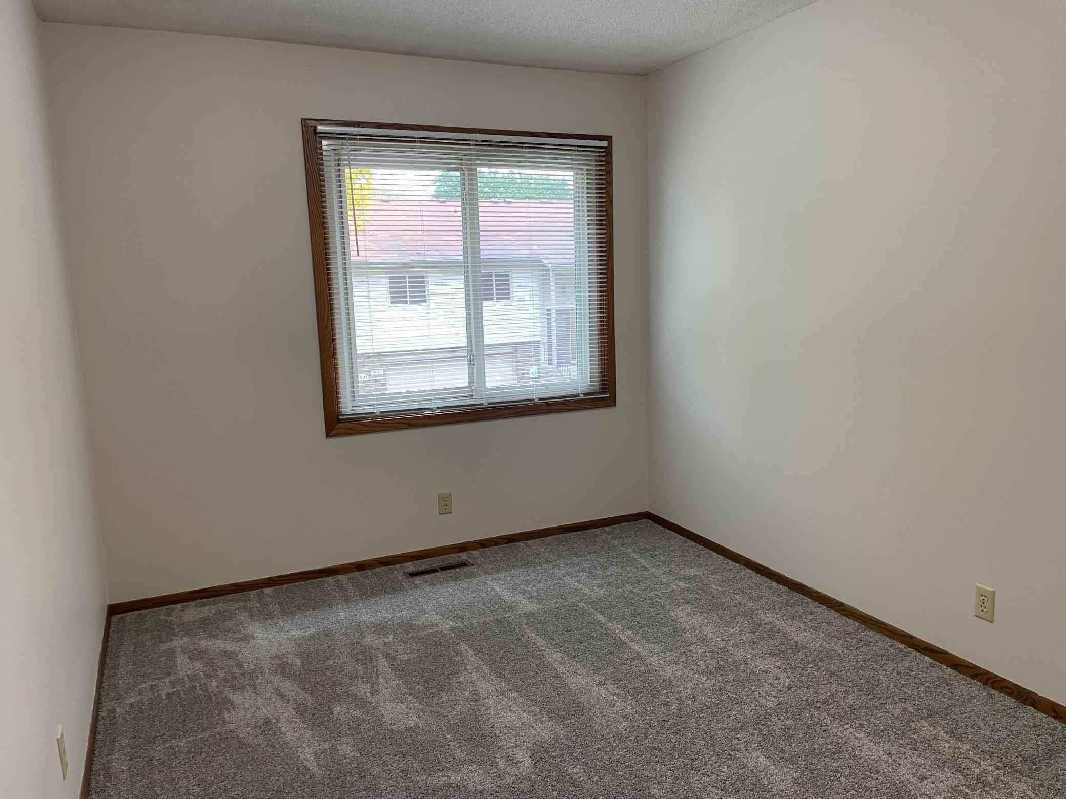 View 21 photos of this 3 bed, 2 bath, and 1,525 sqft. condo home located at 2525 Rose Ave E, Maplewood, Minnesota 55119 is Active for $225,000.