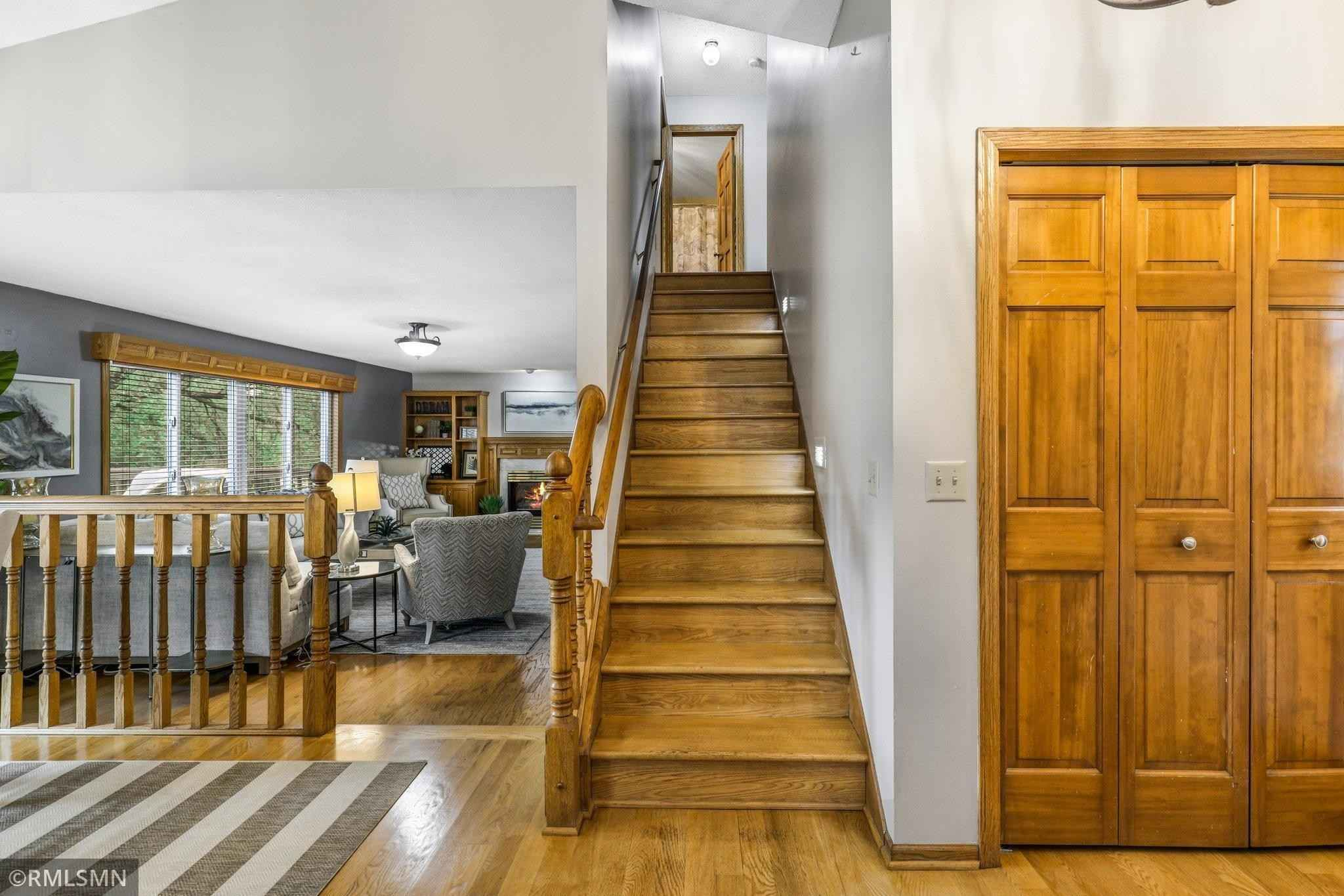 View 36 photos of this 5 bed, 4 bath, and 3,071 sqft. single_family home located at 9295 Parkside Draw, Woodbury, Minnesota 55125 is Active for $485,000.