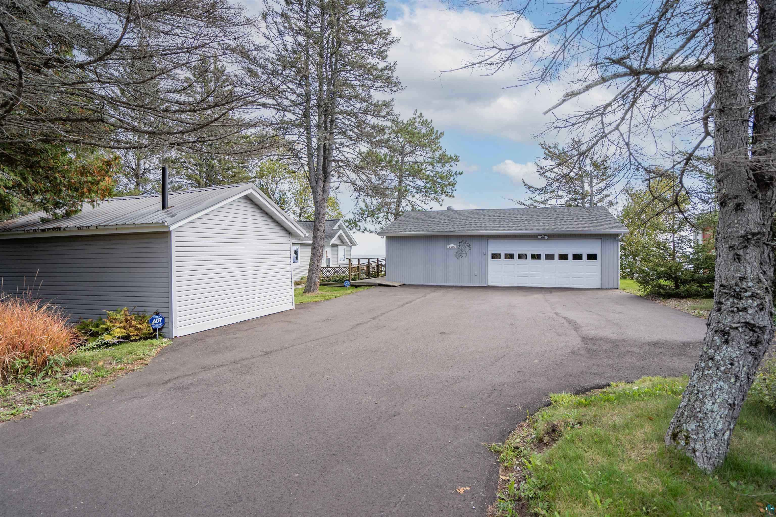 View 29 photos of this 1 bed, 1 bath, and 637 sqft. single_family home located at 9436 Congdon Blvd, Duluth, Minnesota 55804 is Pending for $450,000.