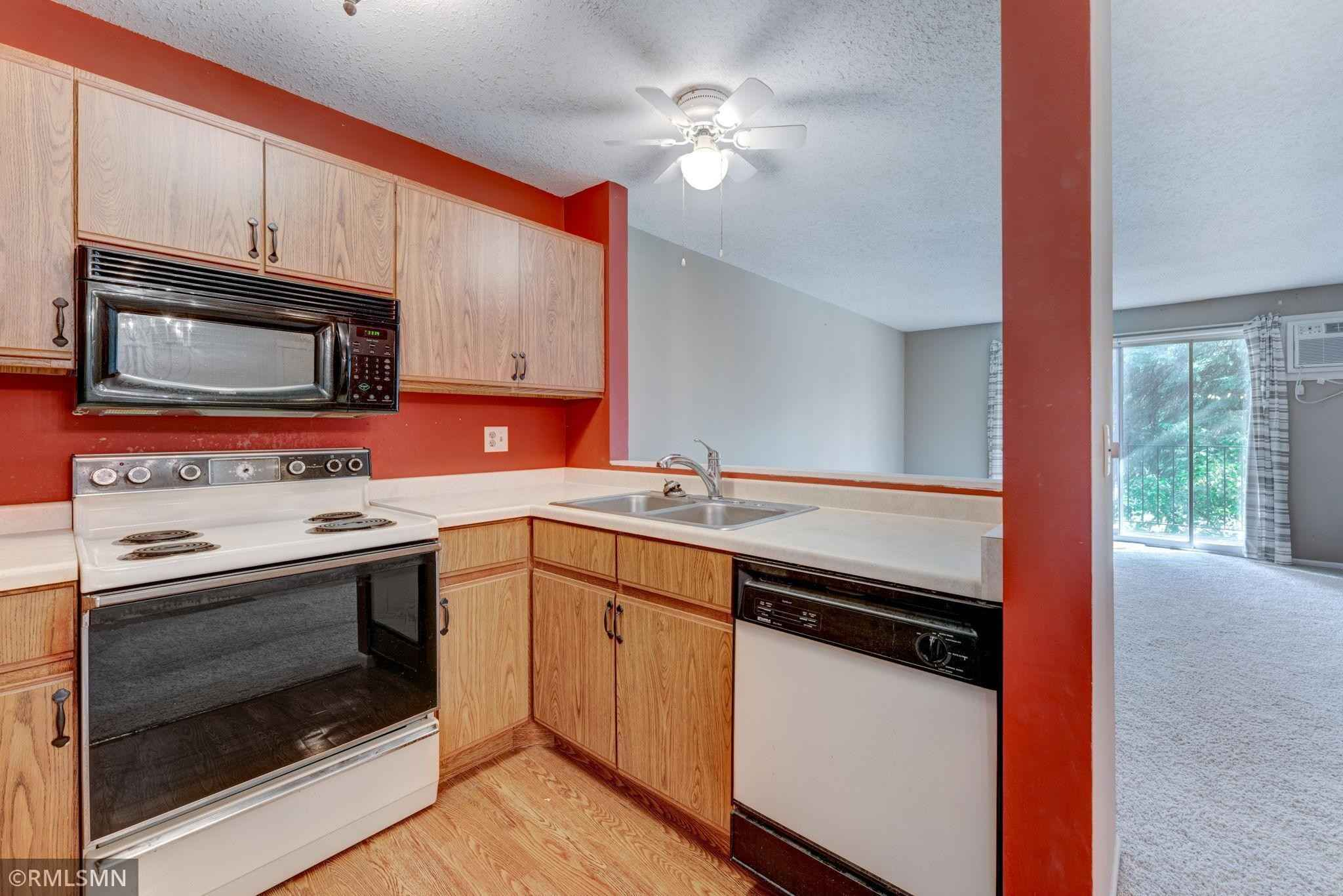 View 26 photos of this 1 bed, 1 bath, and 783 sqft. condo home located at 7675 142nd St W Apt 209, Apple Valley, Minnesota 55124 is Active for $124,900.