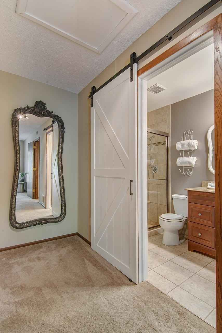 View 22 photos of this 3 bed, 2 bath, and 1,750 sqft. condo home located at 9660 Hampshire Ln, Eden Prairie, Minnesota 55347 is Active for $280,000.