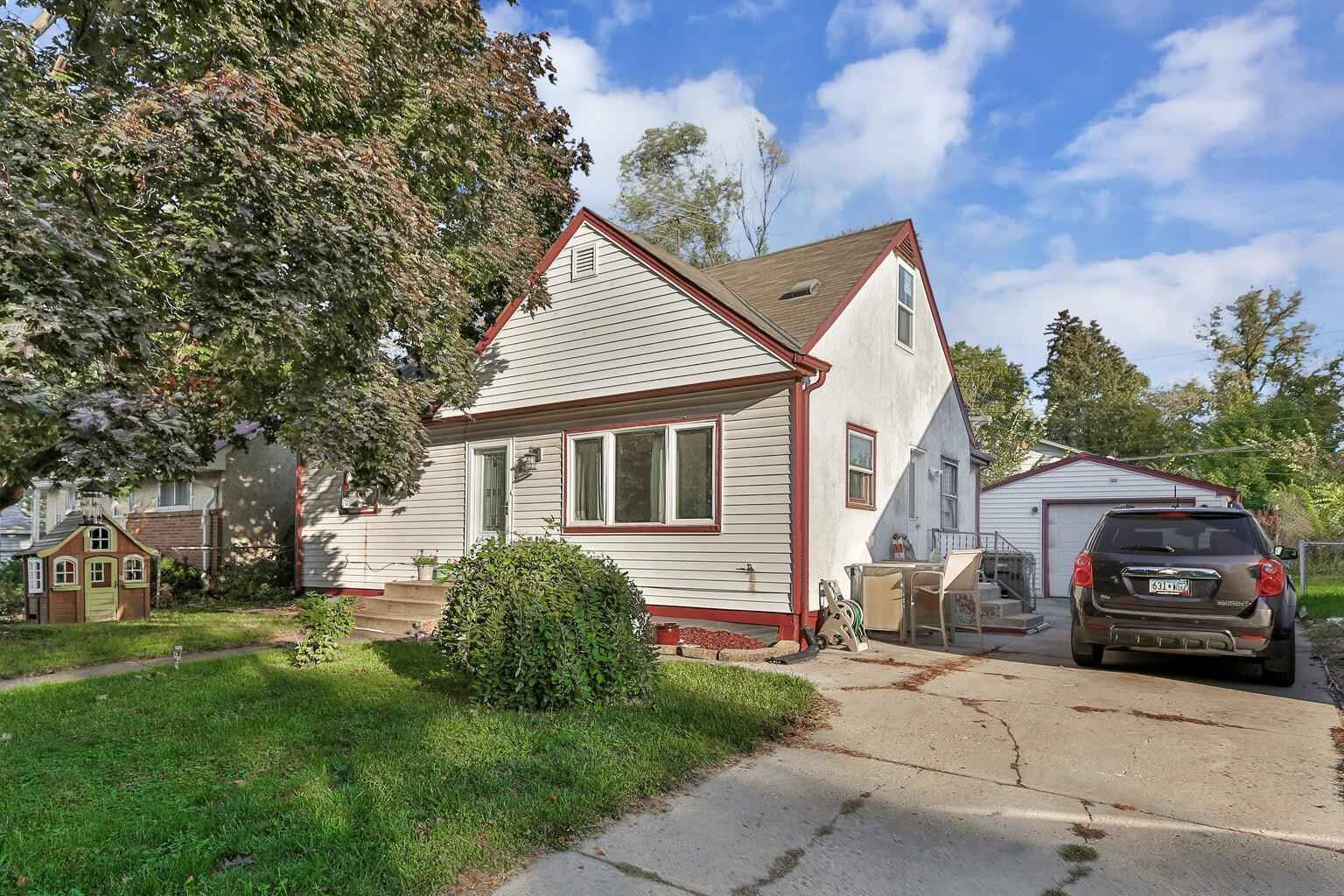 View 31 photos of this 3 bed, 1 bath, and 2,720 sqft. single_family home located at 63 Iowa Ave W, Saint Paul, Minnesota 55117 is Active for $297,200.