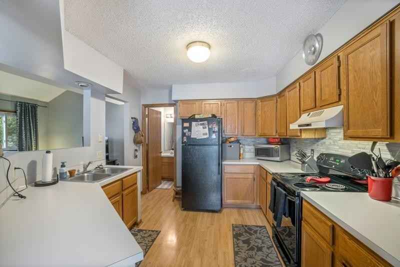 View 17 photos of this 3 bed, 2 bath, and 2,284 sqft. condo home located at 1911 E 122nd St, Burnsville, Minnesota 55337 is Active for $240,000.